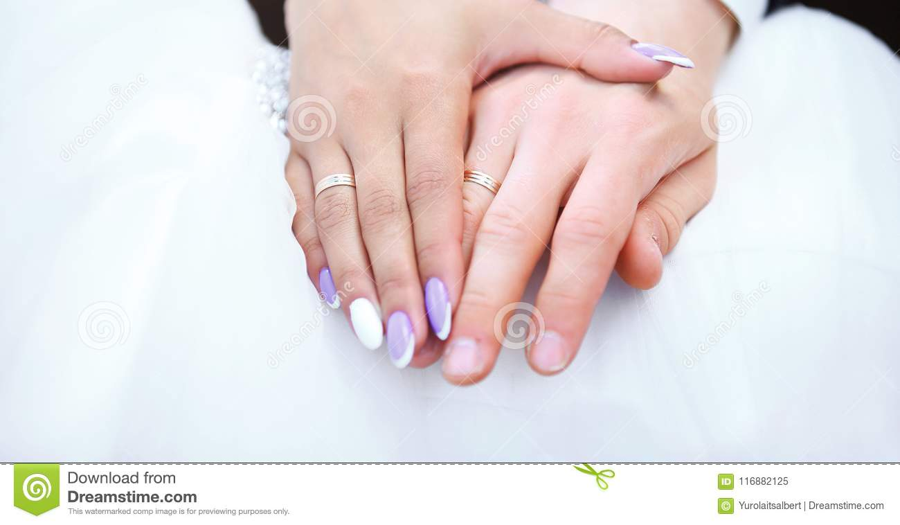 Hands Bride And Groom With Wedding Rings Stock Image - Image of ...