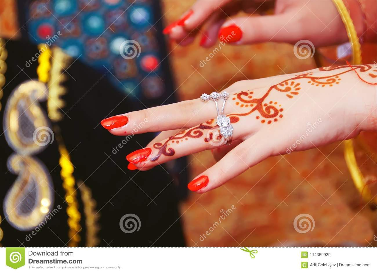 275a9646d Hands And Fingers Are Drawn To Henna . Female Hand With Henna Tattoo ...
