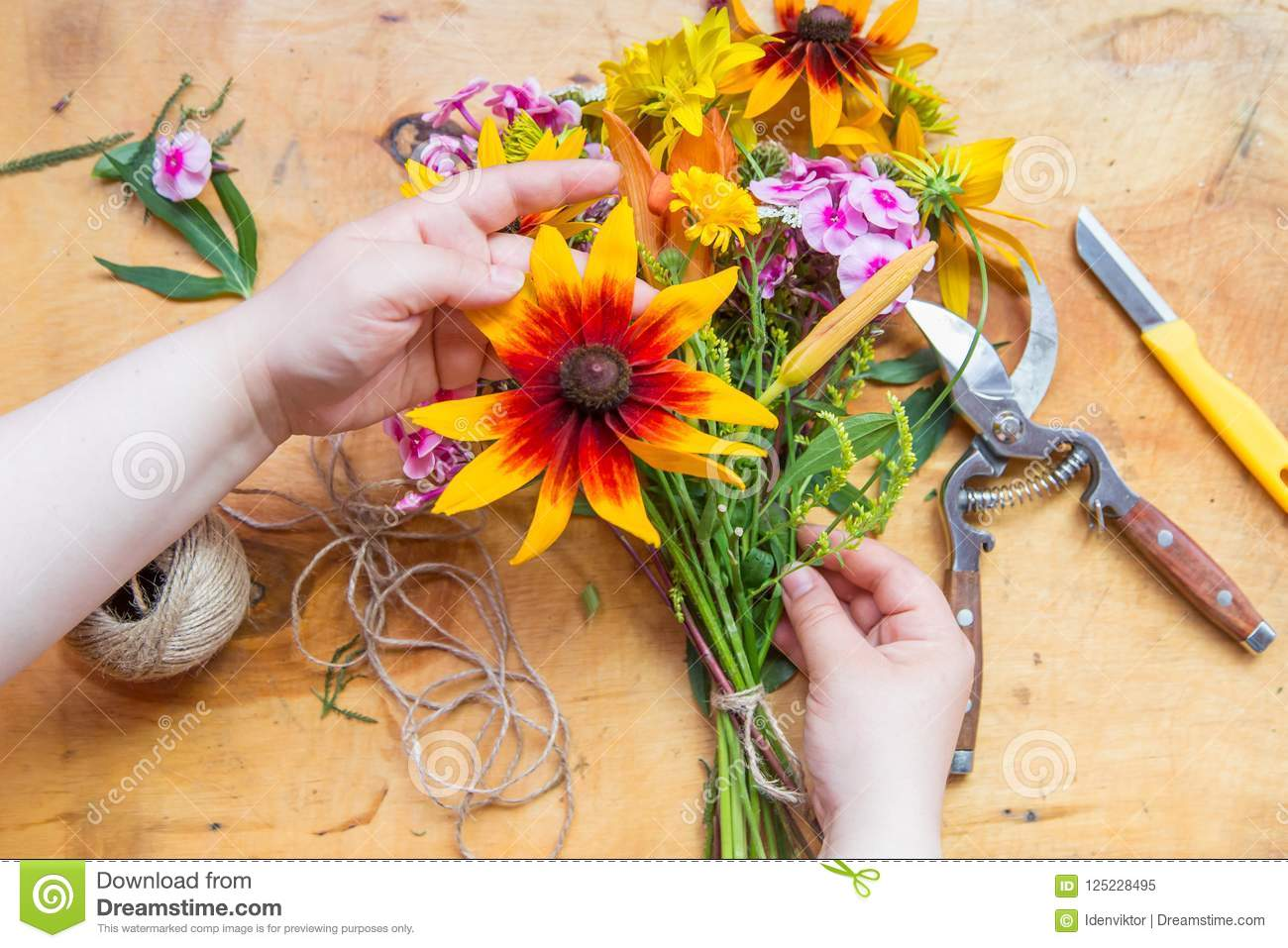 Hands Of Florist Making Flowers Bouquet Stock Image Image Of Hobby