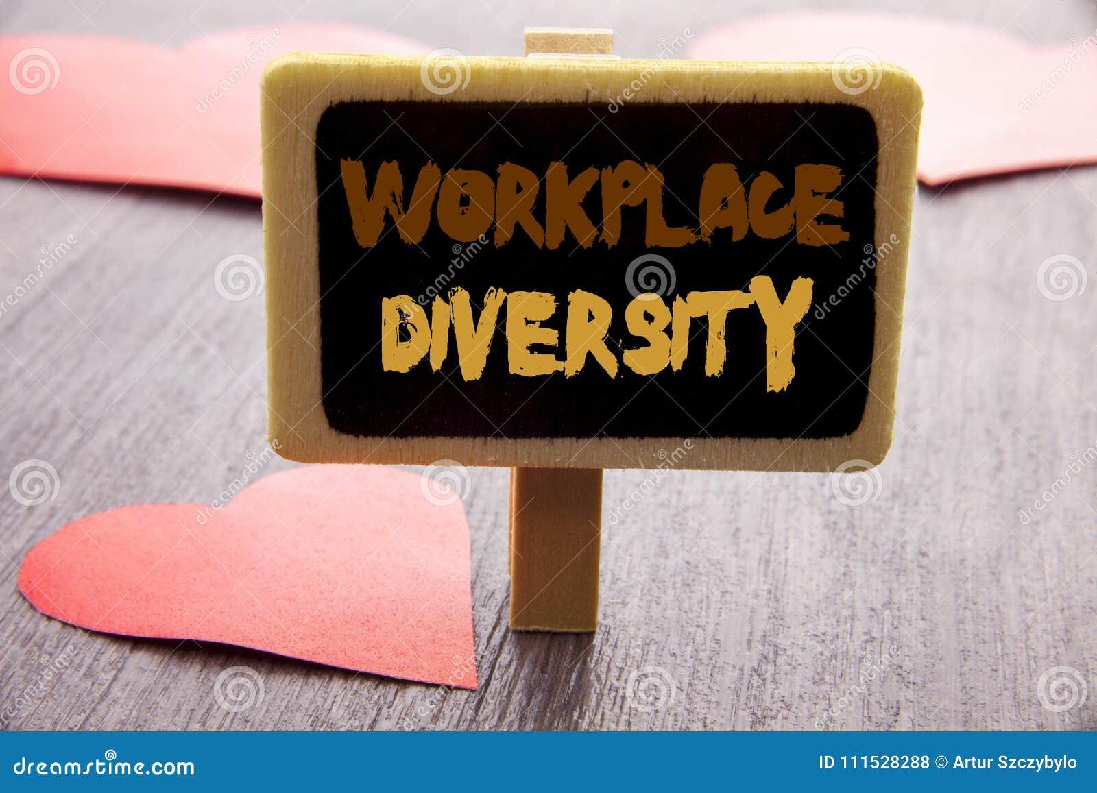 Handschriftstext, der Arbeitsplatz-Verschiedenartigkeit zeigt Geschäftsfoto, das Unternehmenskultur-globales Konzept für die Unfä