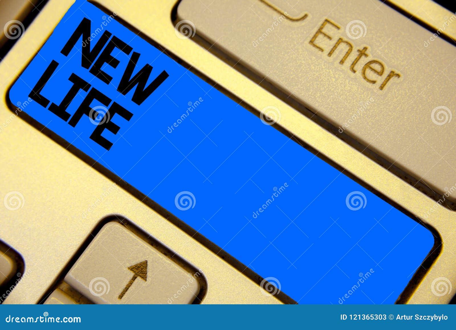 Handschrifttekst die het Nieuwe Leven schrijven Het begin van de conceptenbetekenis van verandering het bestaand van een individu