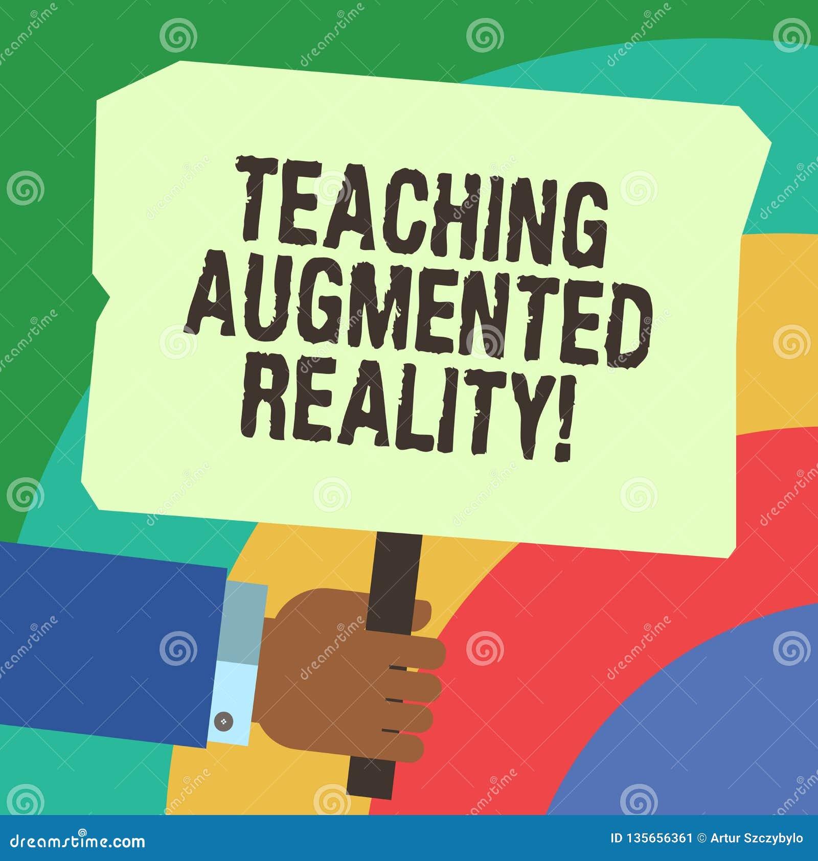 Handschrifttekst het schrijven het Onderwijs Vergrote Werkelijkheid Concept die het gebruik van AR apps direct in het klaslokaal