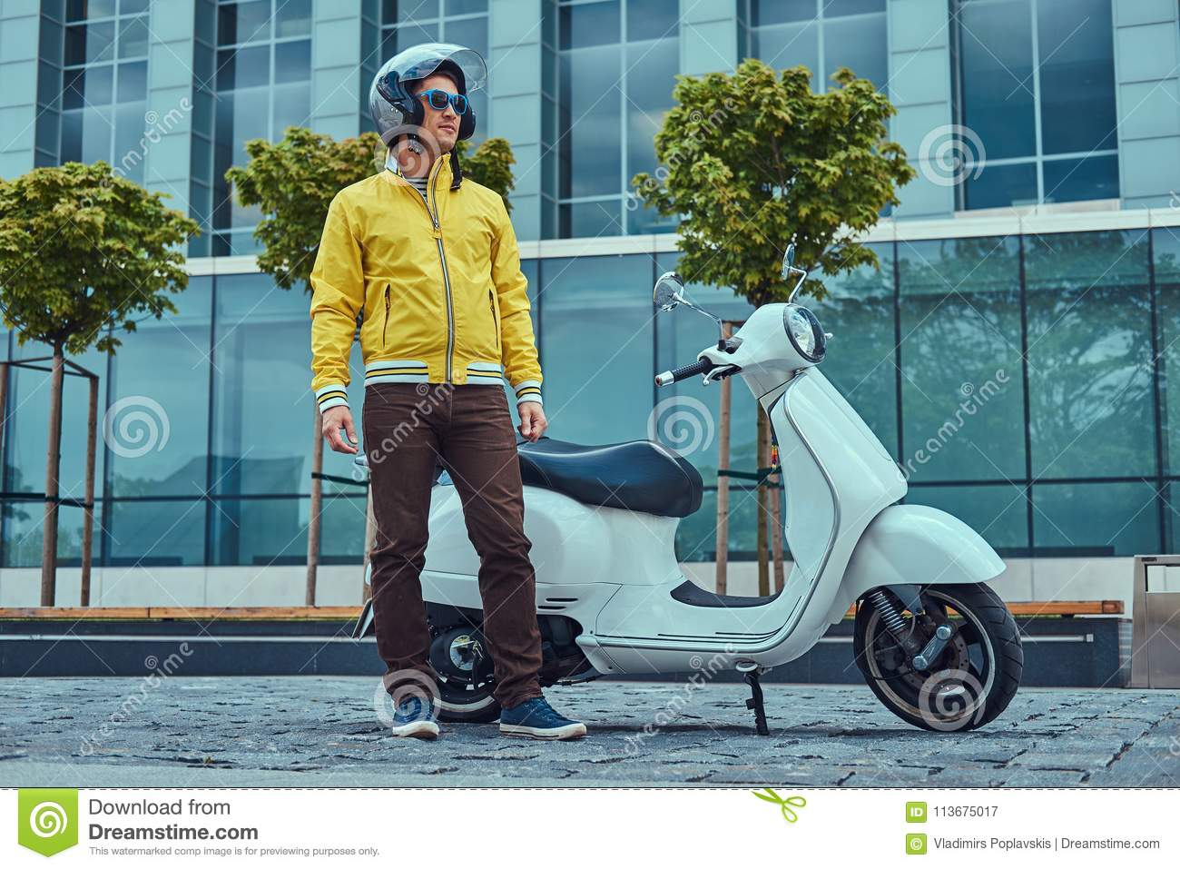 554 Yellow Classic Scooter Photos Free Royalty Free Stock Photos From Dreamstime