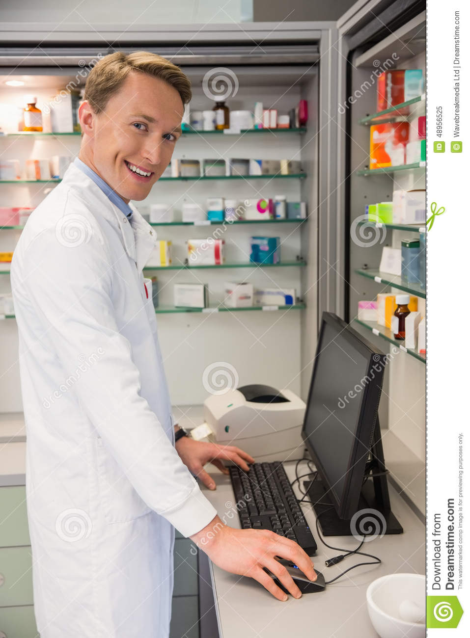 use of computer in pharmacy Applications of computers in pharmacy computer are now a days used in pharmaceutical in industries, hospitals and in various departments for drug information, education, evaluation, analysis, medication history and for maintenance of financial records.