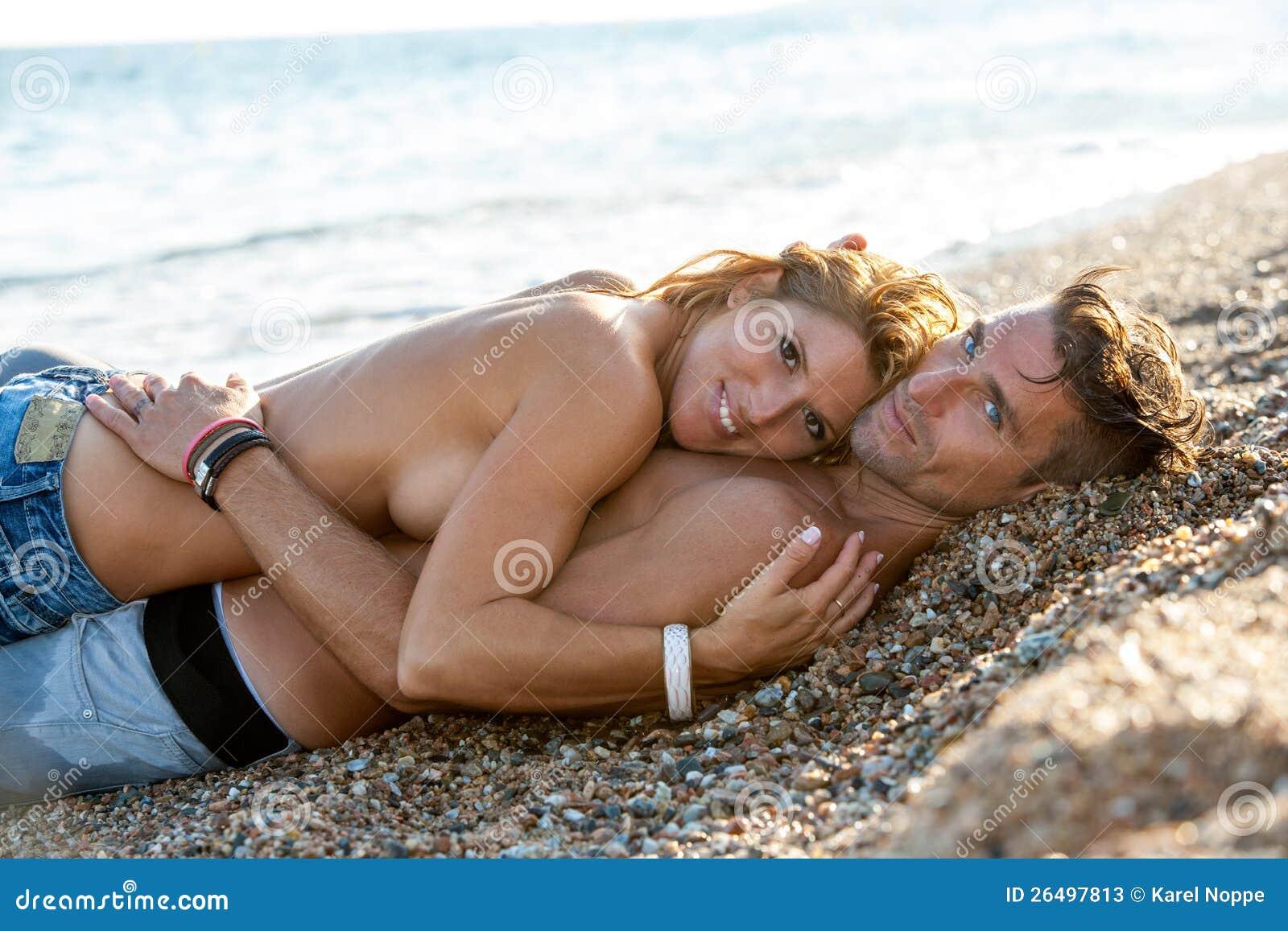 Фото семейной пары на отдыхе секс, Секс на пляже частное фото семейных пар 19 фотография