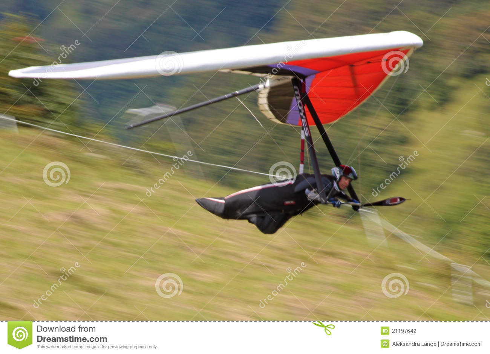 Hang gliding in Julian Alps