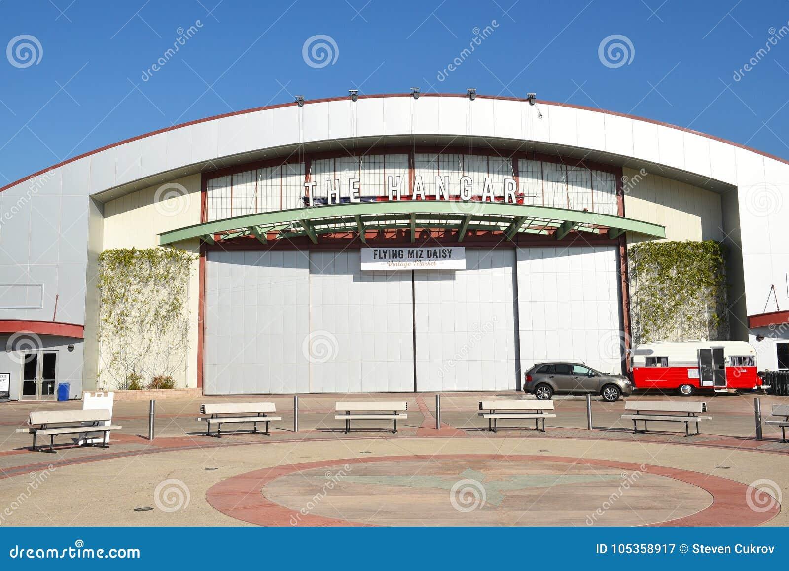 Hangar przy OC wydarzenia i jarmarku centrum