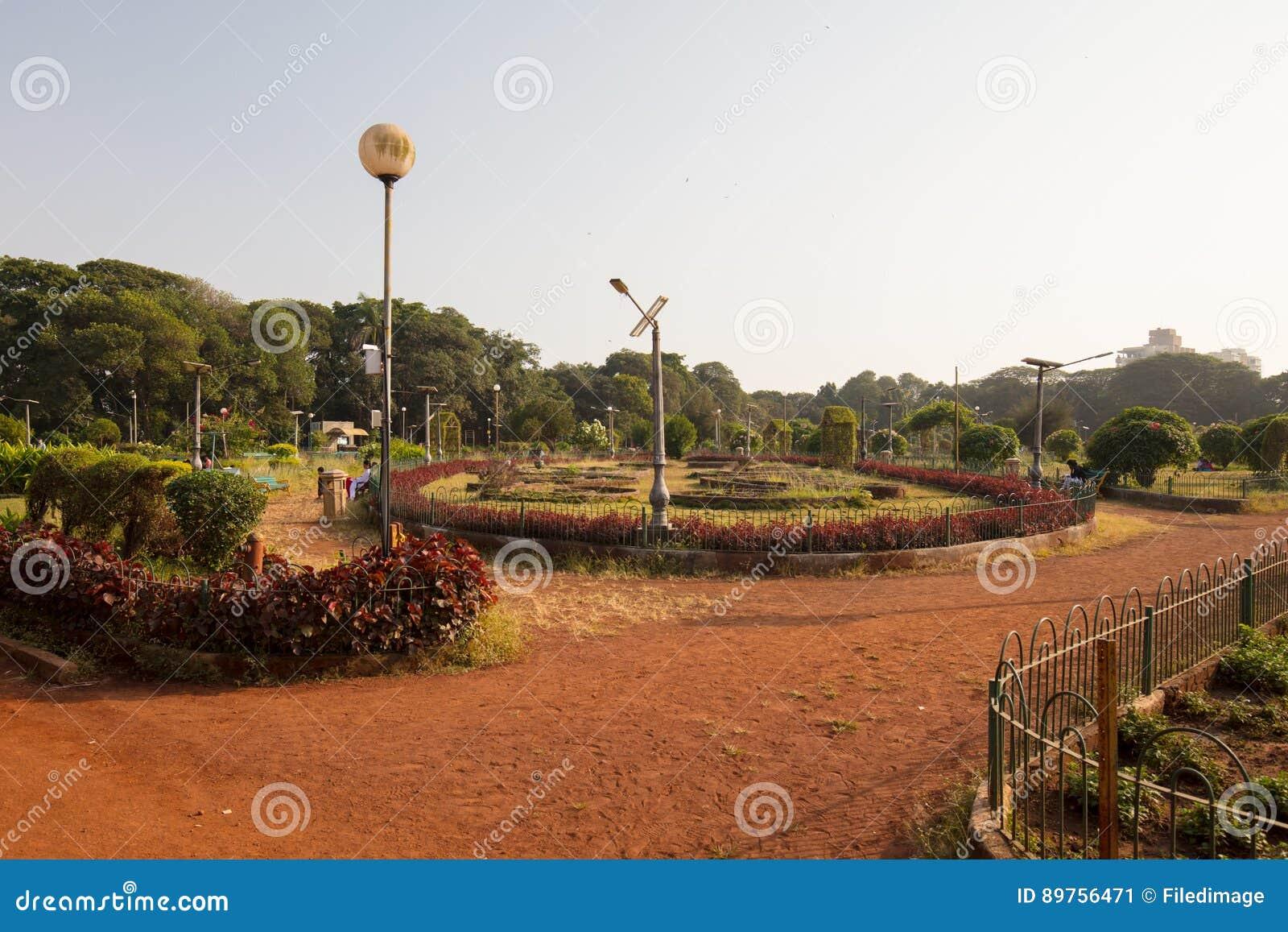 Hanging Gardens in Mumbai stock image. Image of beautiful - 89756471