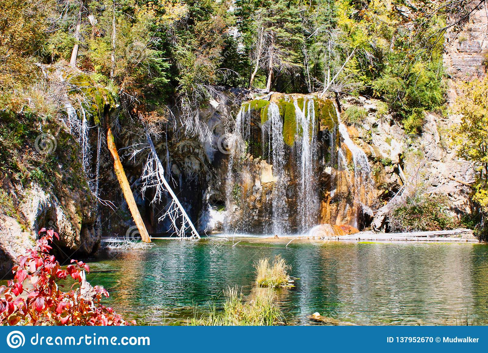 Hanging Lake In Late September Stock Photo Image Of Hanging Hike