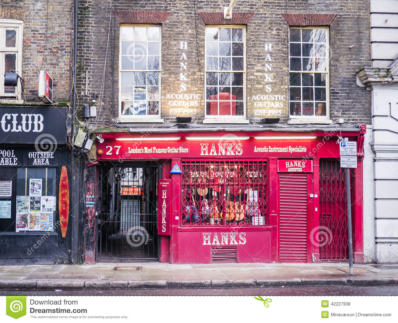 Hanks acoustic guitar store in denmark street london for Hank s fish market