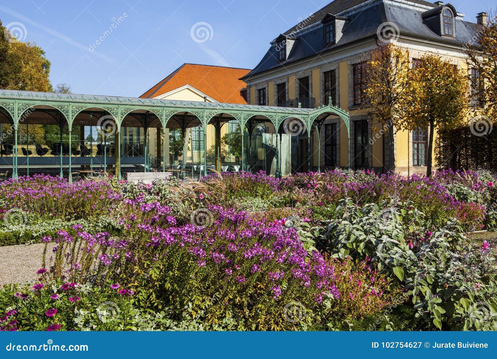 Herrenhauser Garten Editorial Photography Image Of Germany 102754627