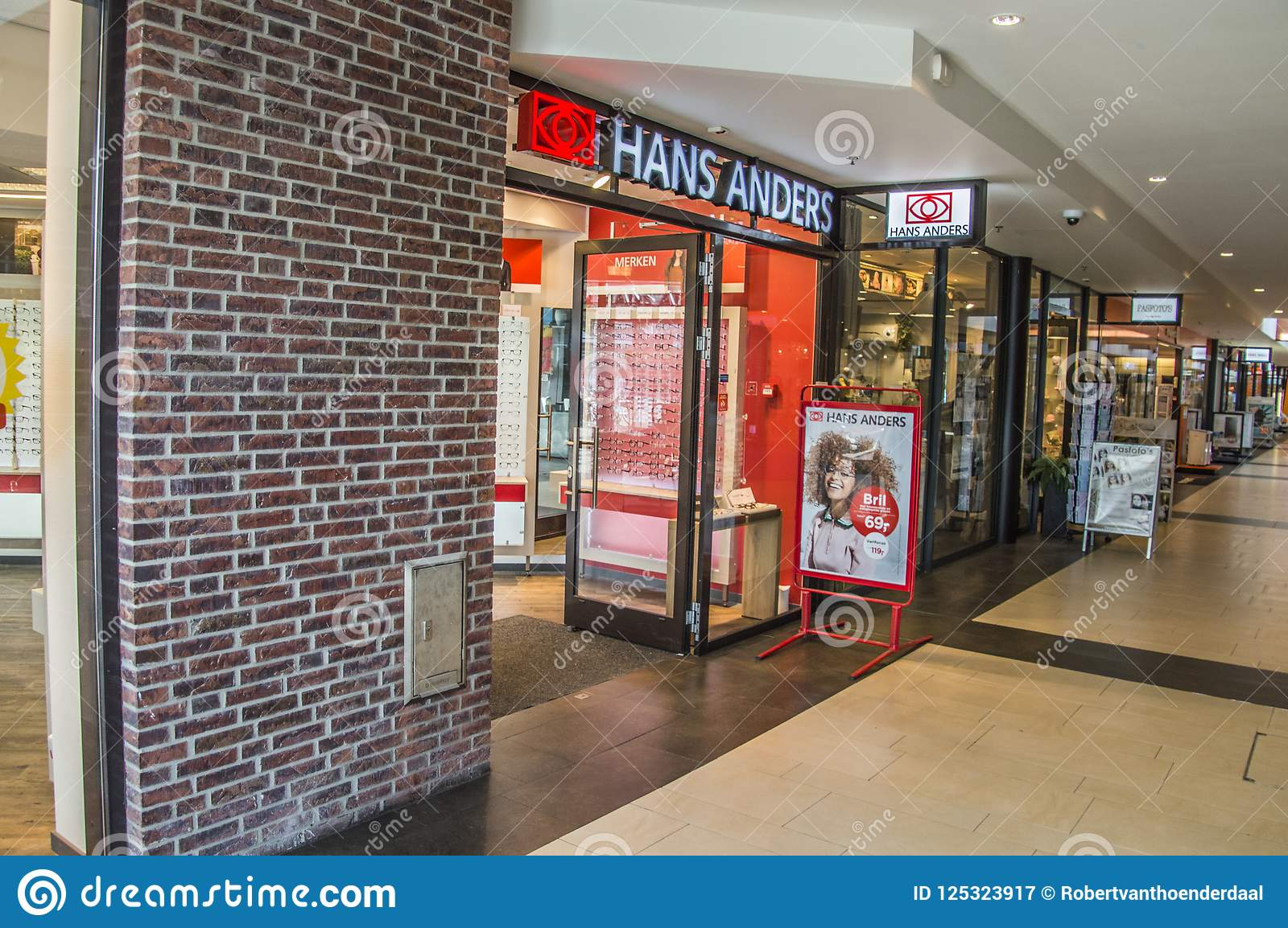 bdfb21113fa3cf Hans Anders Opticians Shop At Diemen The Netherlands 2018 Editorial ...