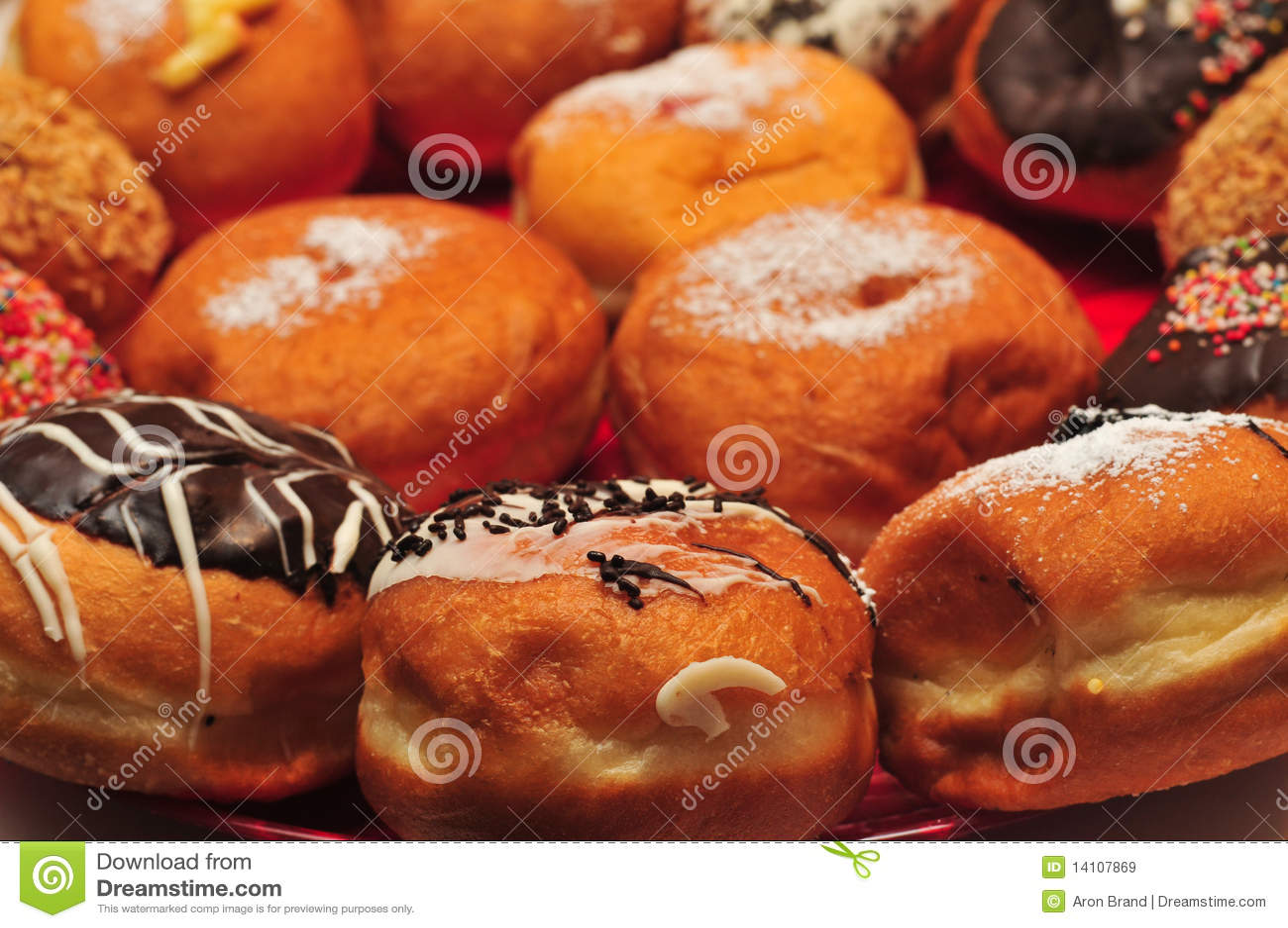 Hanukka Doughnuts Royalty Free Stock Images - Image: 14107869