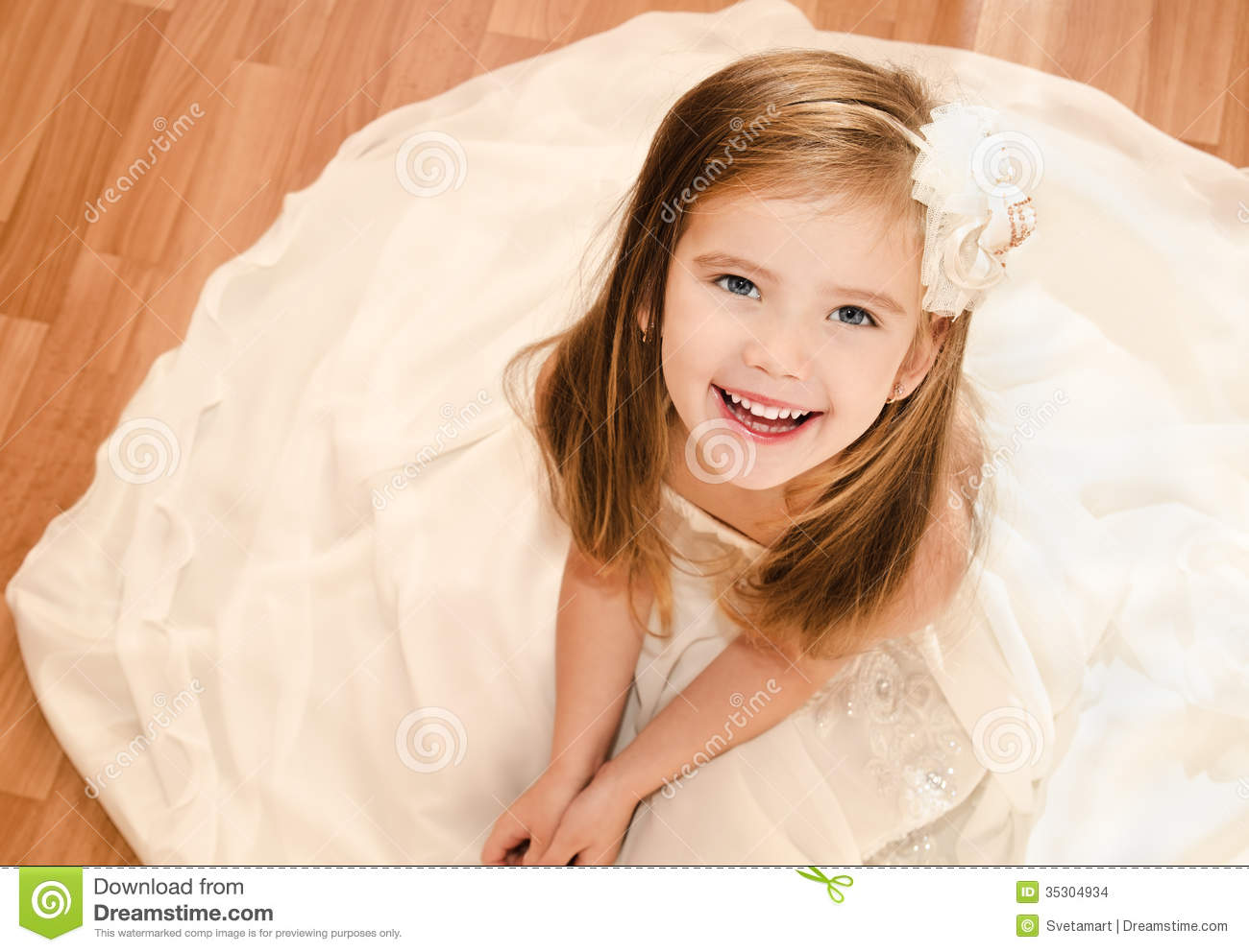 Adorable little girl in princess dress stock images image 35304934