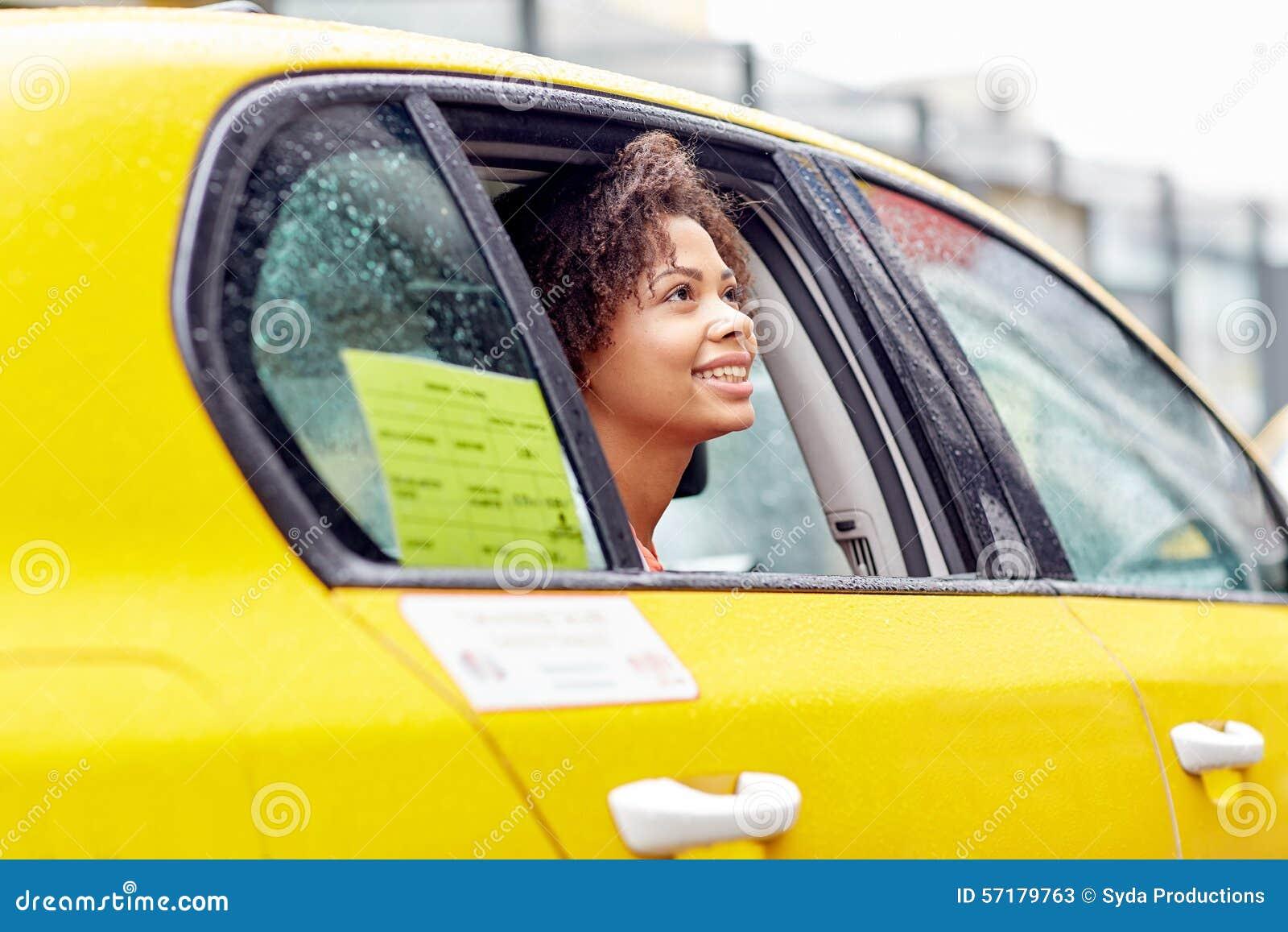 Сосущие телки в такси, После вечера с подружками тёлочка заказывает такси 24 фотография