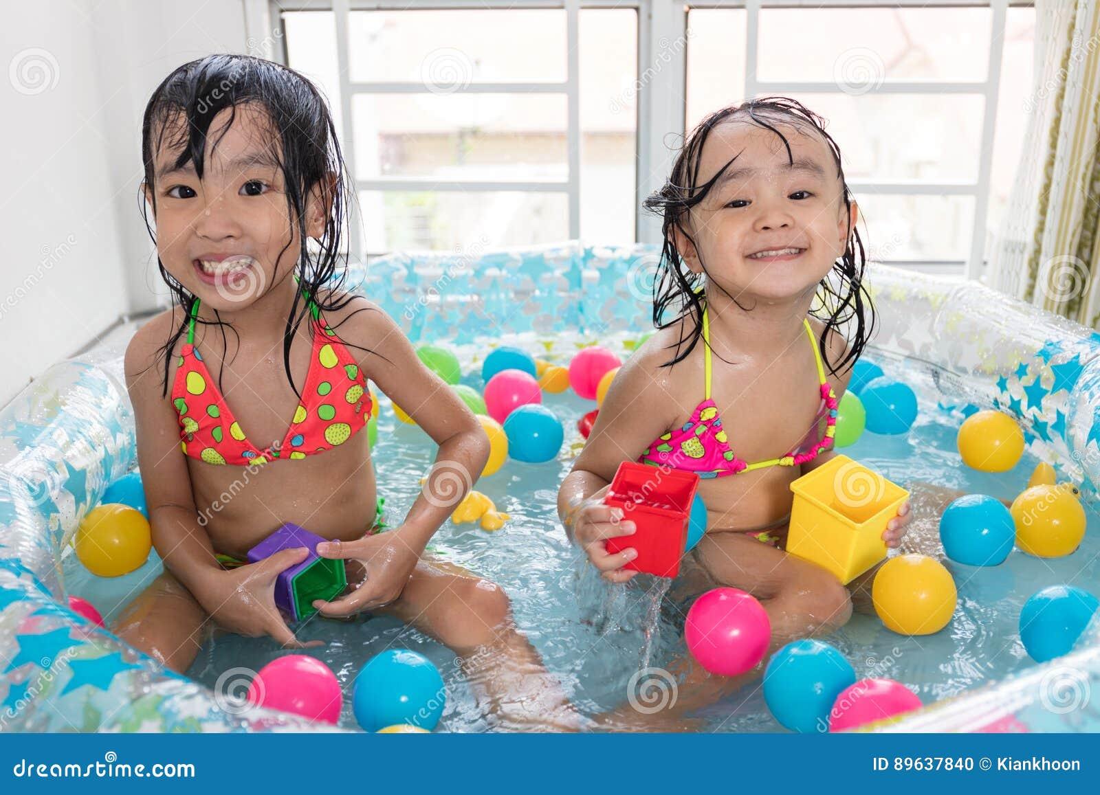Asian poo girls