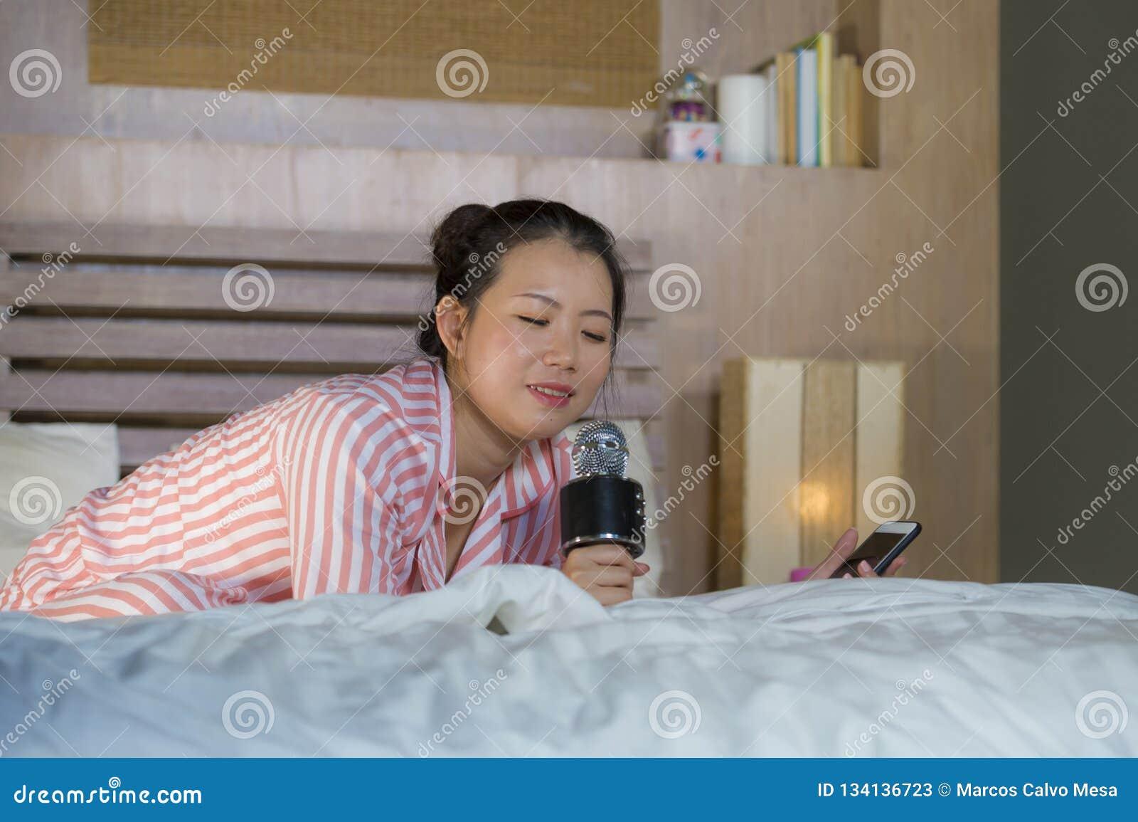 Enjoyable Beautiful Asian American Teenager Girl Singing Karaoke Song Home Interior And Landscaping Ologienasavecom