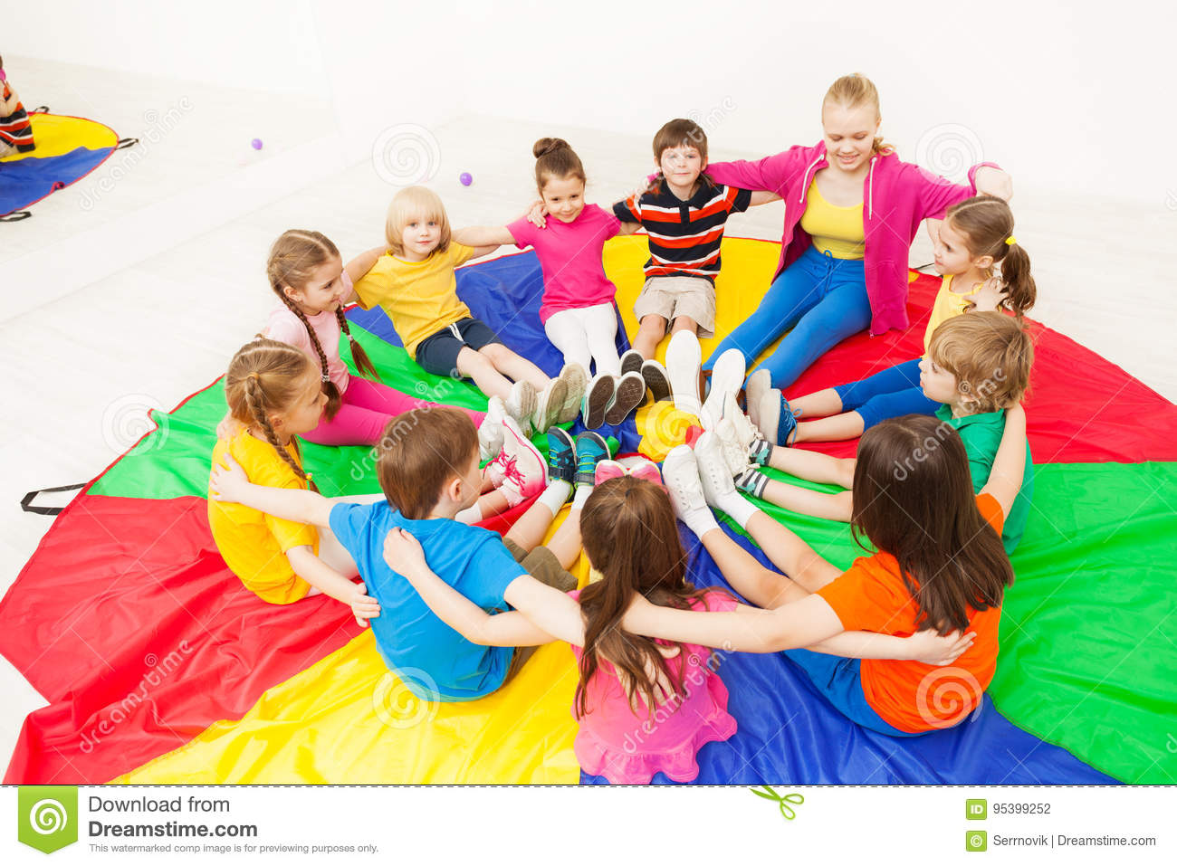 Children Circle Stock Images - 7,825 Photos