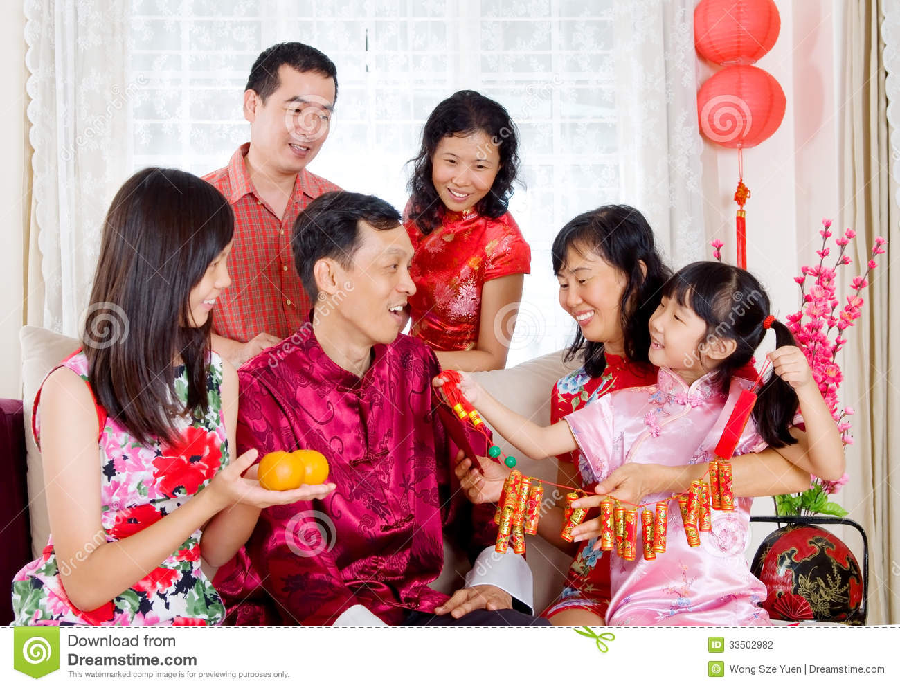 CNY Reunion Dinner Brings The Whole Family Together ...