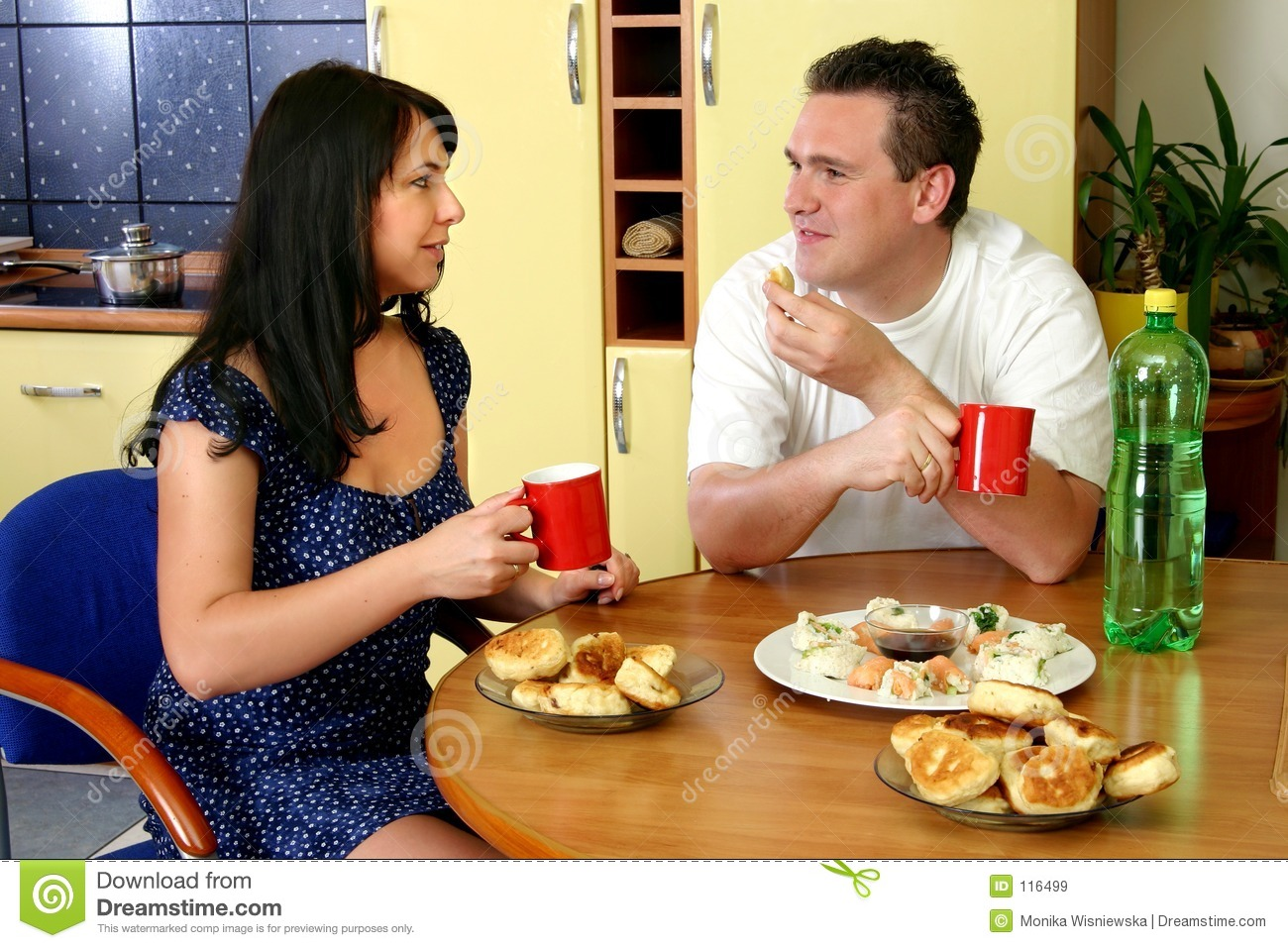 Happy Couple - Breakfast