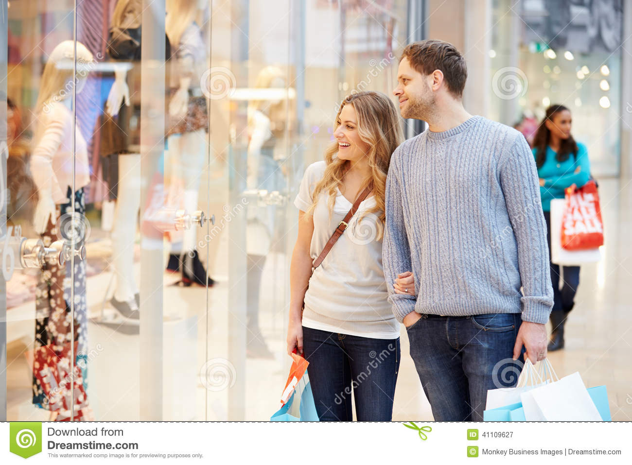 couple in shopping mall royalty free stock image