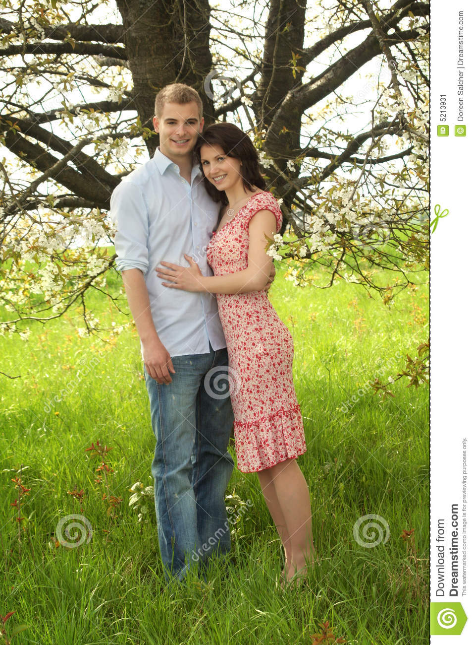 http://thumbs.dreamstime.com/z/happy-couple-nature-5213931.jpg