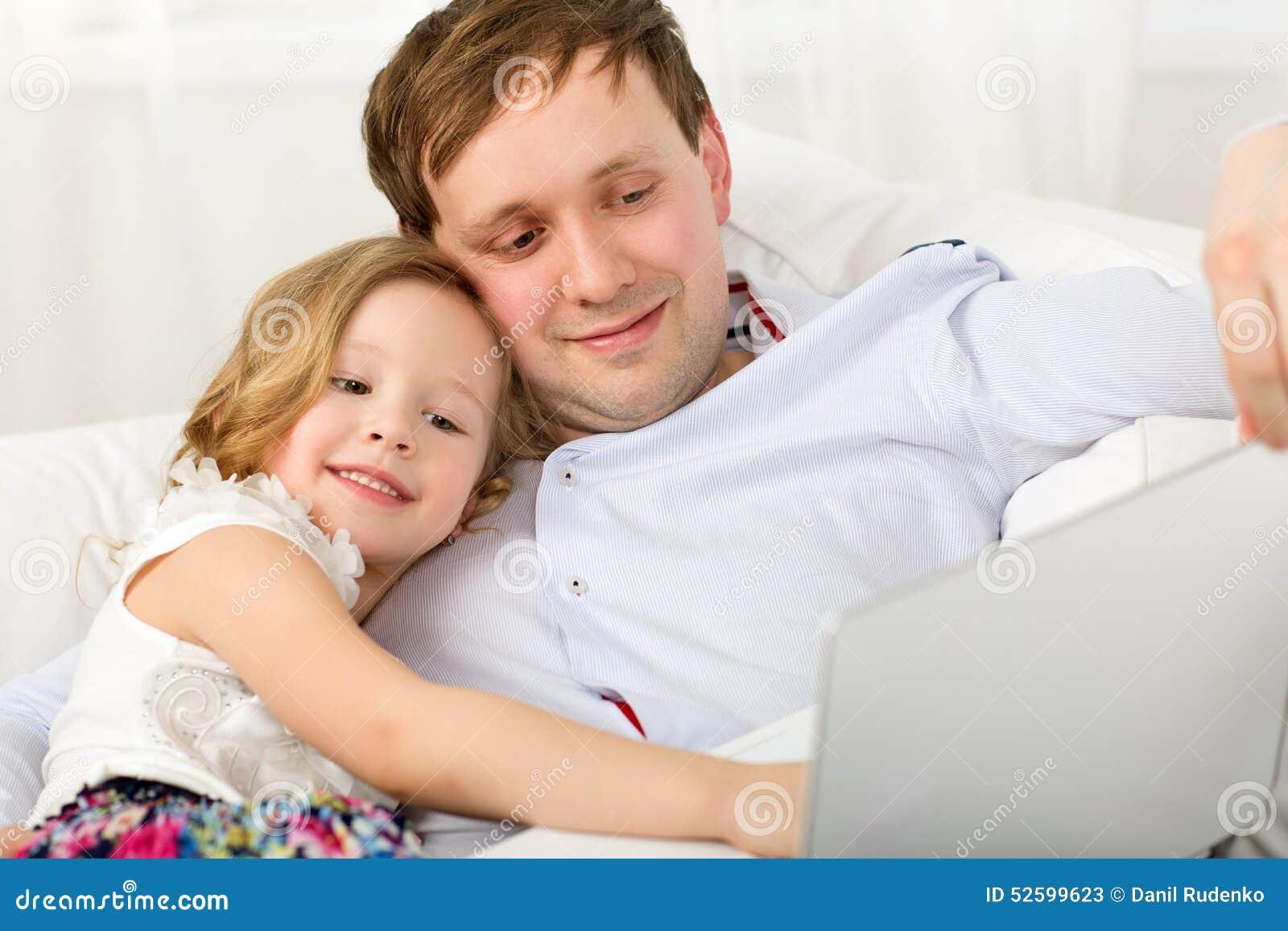 Толстая дочь и отец онлайн, Толстая дочка -видео. Смотреть толстая дочка 24 фотография