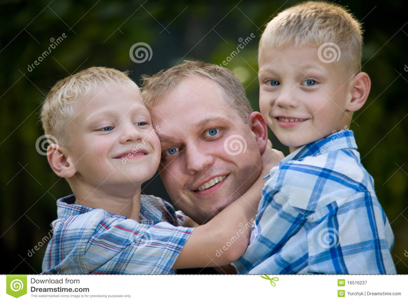 Free amateur vids gay twinks dad