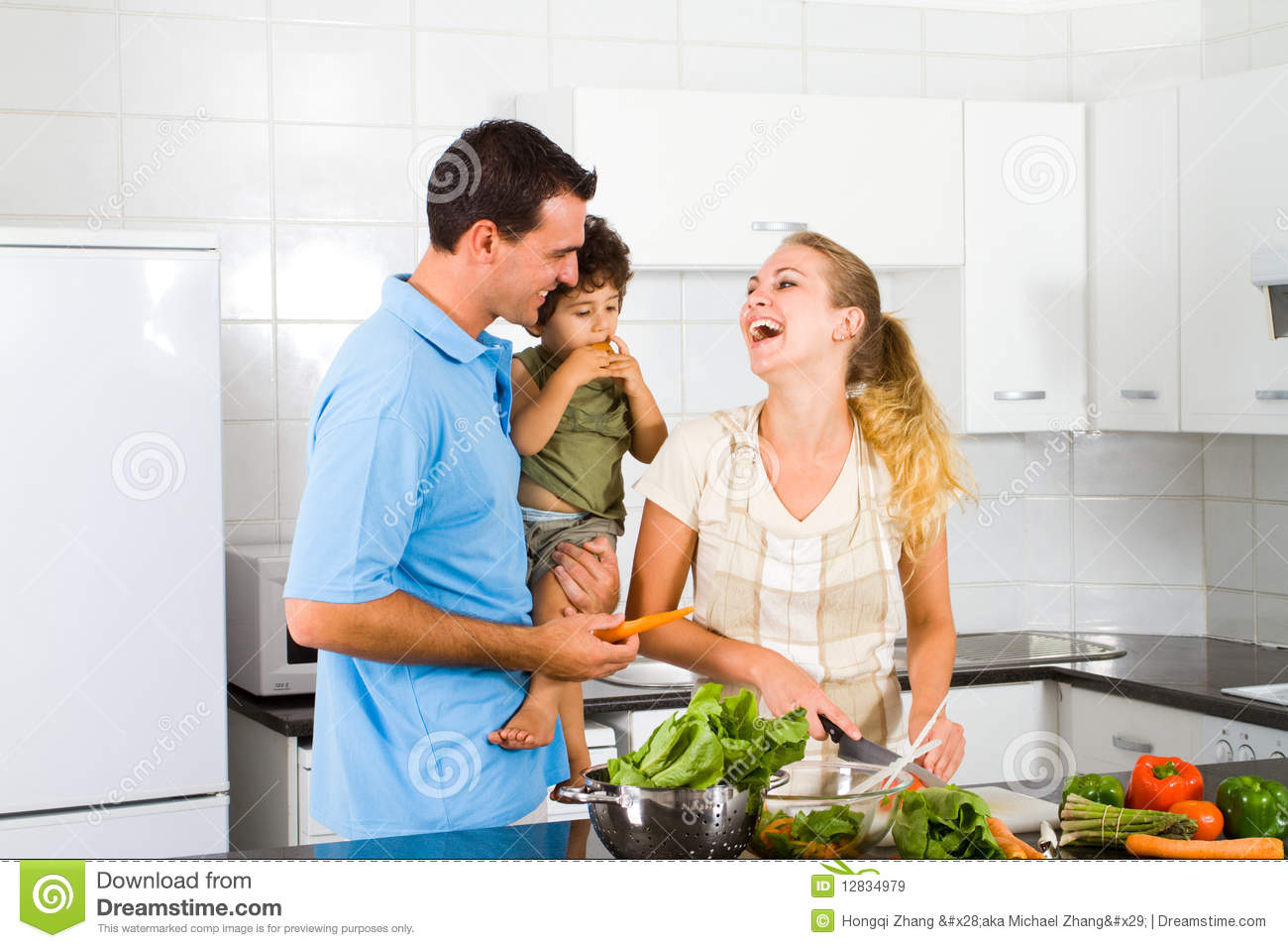 Happy Family Royalty Free Stock Images - Image: 12834979