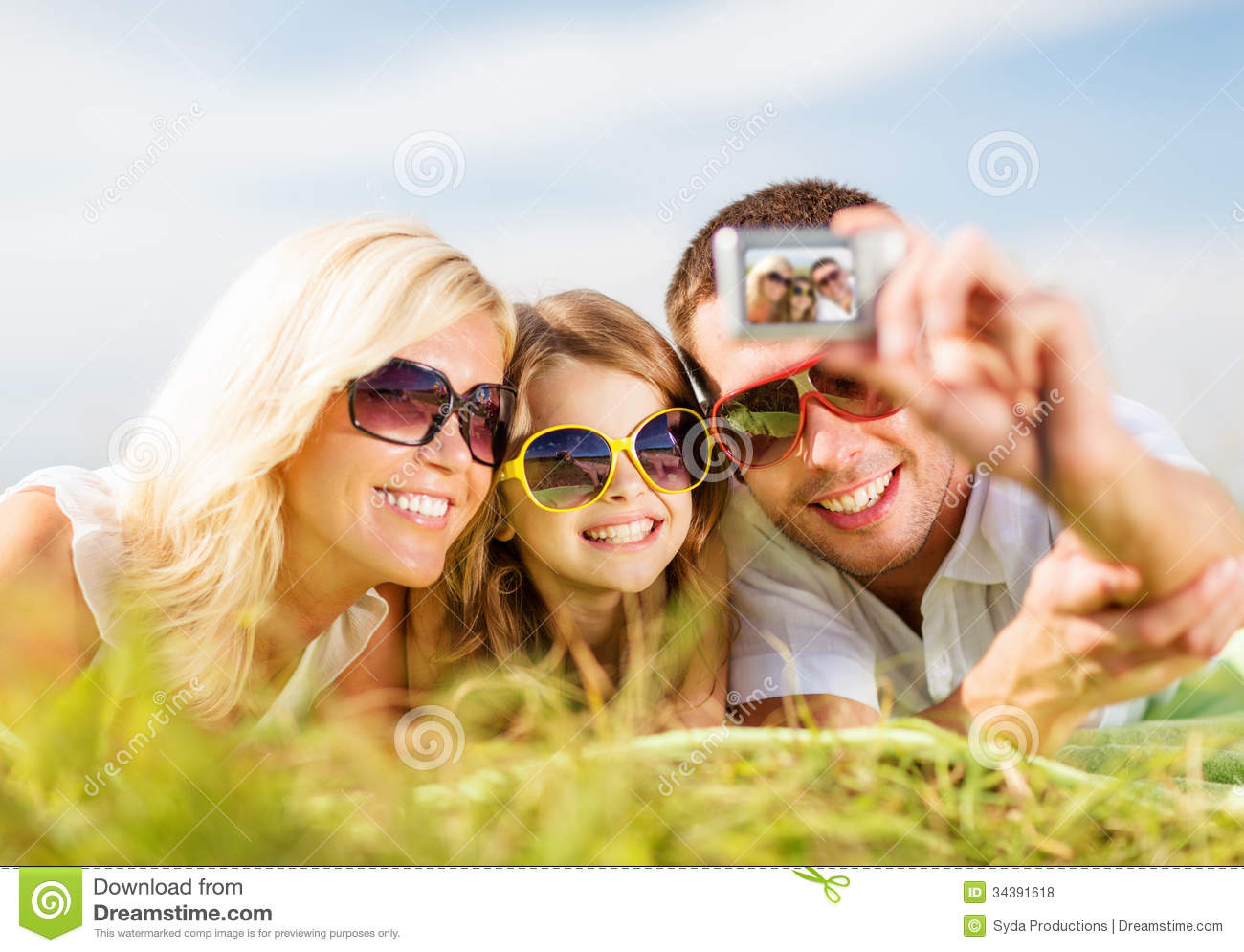 happy-family-camera-taking-picture-summer-holidays-children-people ...
