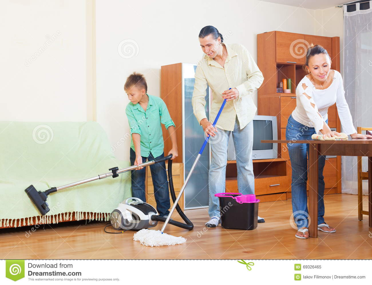 Happy family doing house cleaning stock image image for House cleaning stock photos