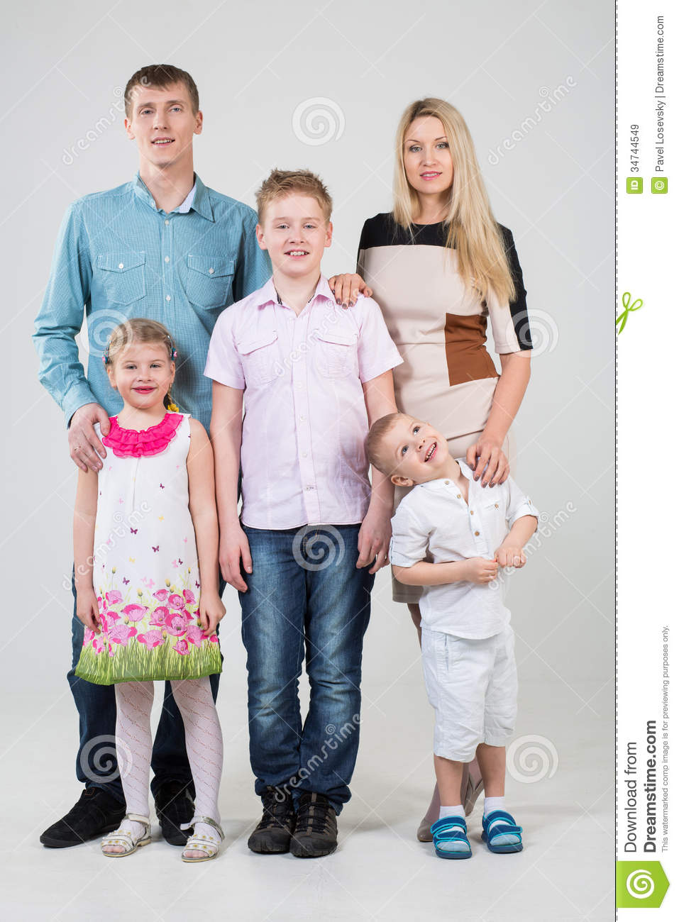 five happy youngest looks studio father son preview dreamstime