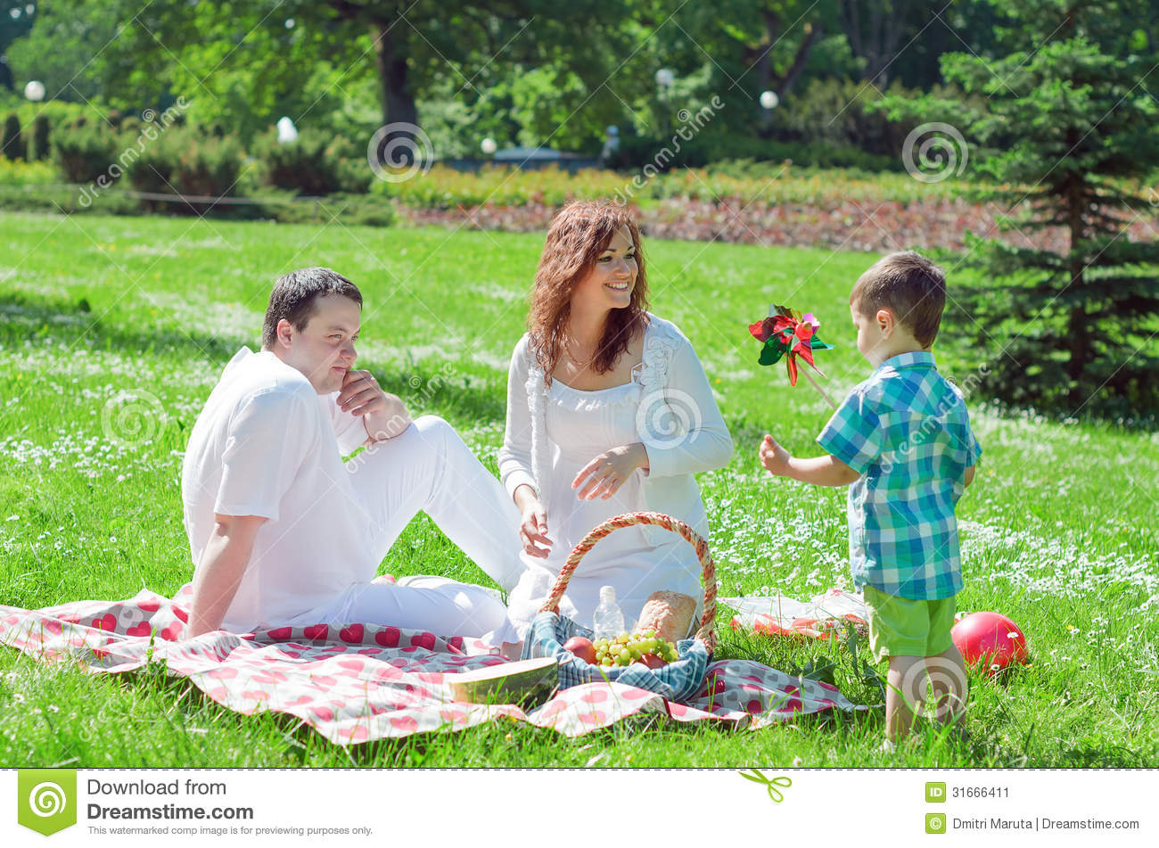 a picinic i have enjoyed A dialogue between two friends about a picnic they have enjoyed kamal : hello, hasan how did you enjoy the picnic hasan : it was really excittng.