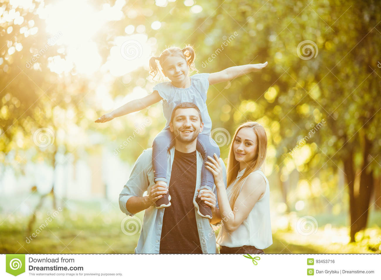 Happy Family Playing In Nature Late Afternoon Sunlight The Fall Summer Mother