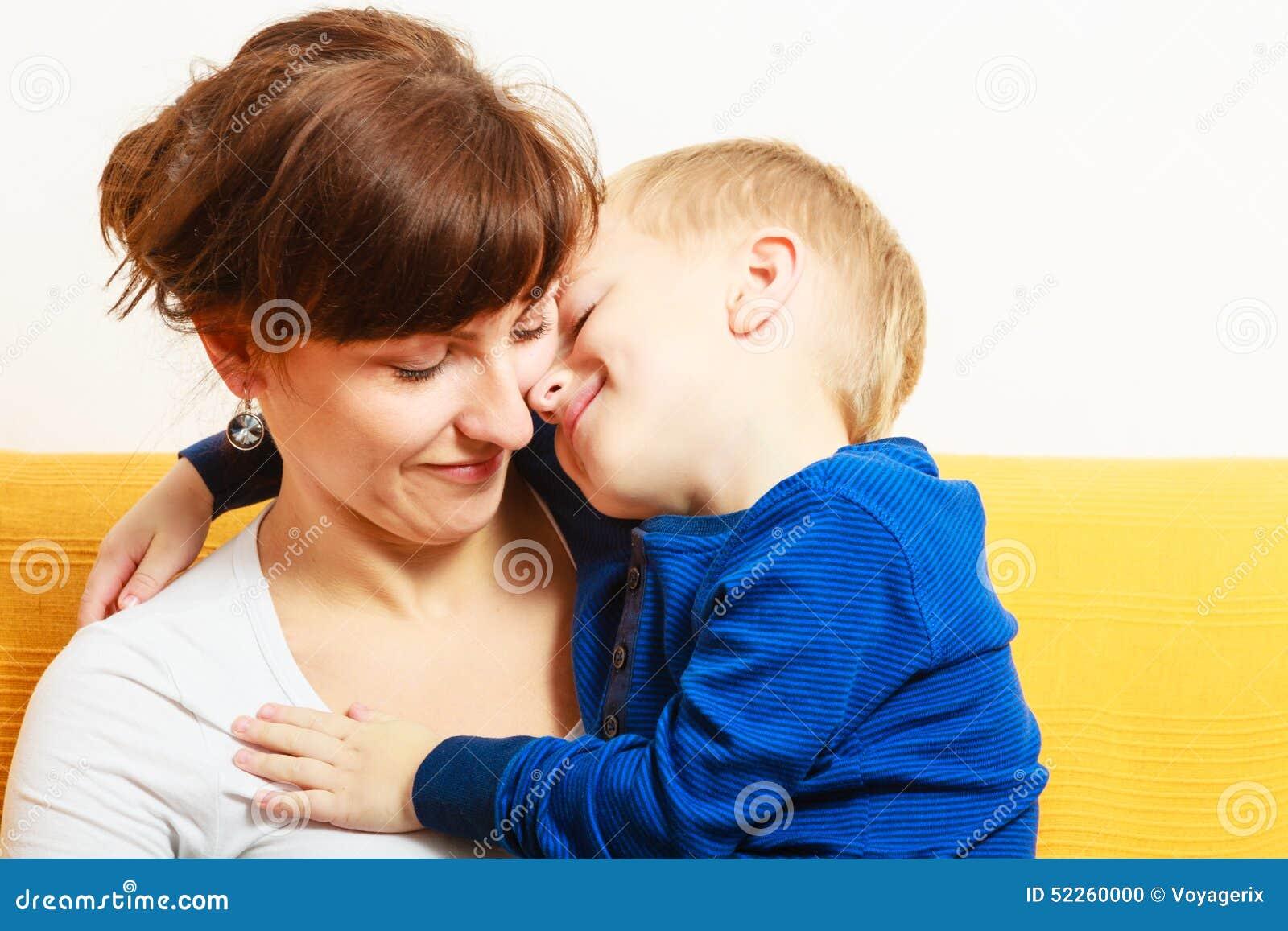 Смотреть hd сын ебет мать, Сын ебет мать: смотреть русское порно видео онлайн 22 фотография