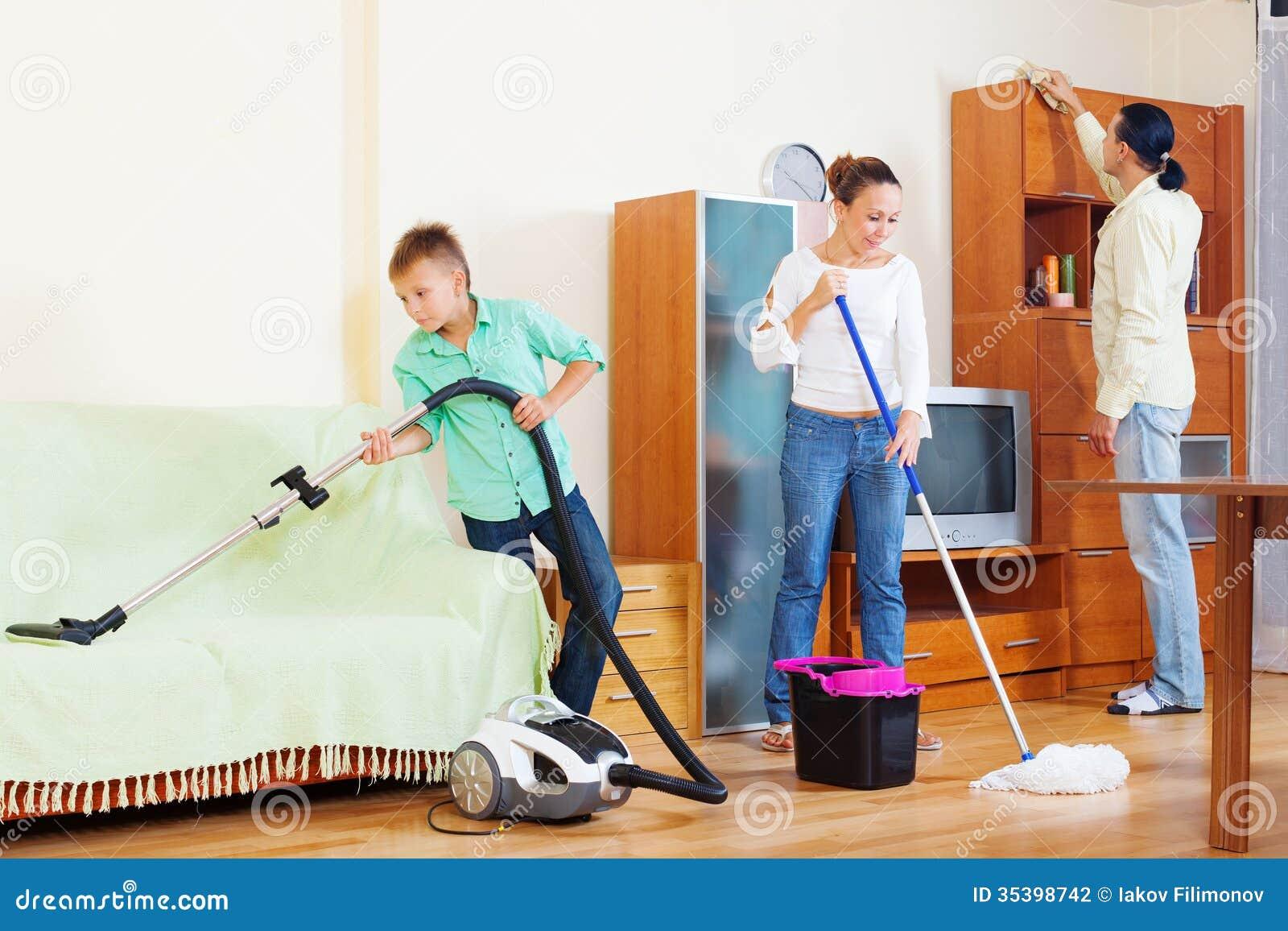 Рассказ уборка с мамой 6 фотография