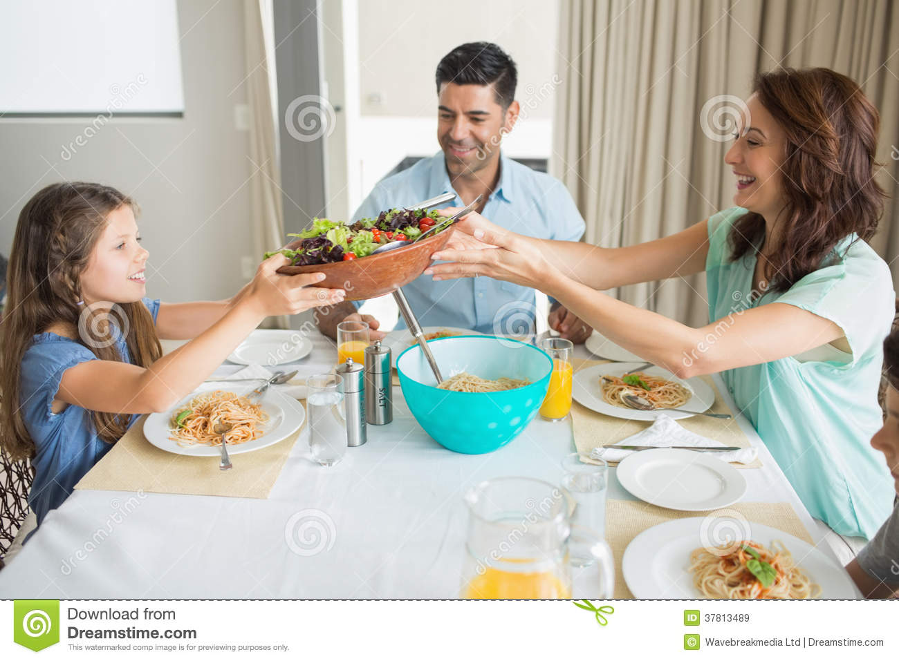 Family dinner family dinner 24465665 family dinner family for Best dining tables for families