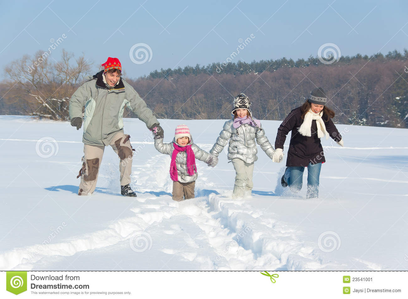 Happy family winter fun outdoors stock image image 23541001 for Best family winter vacations