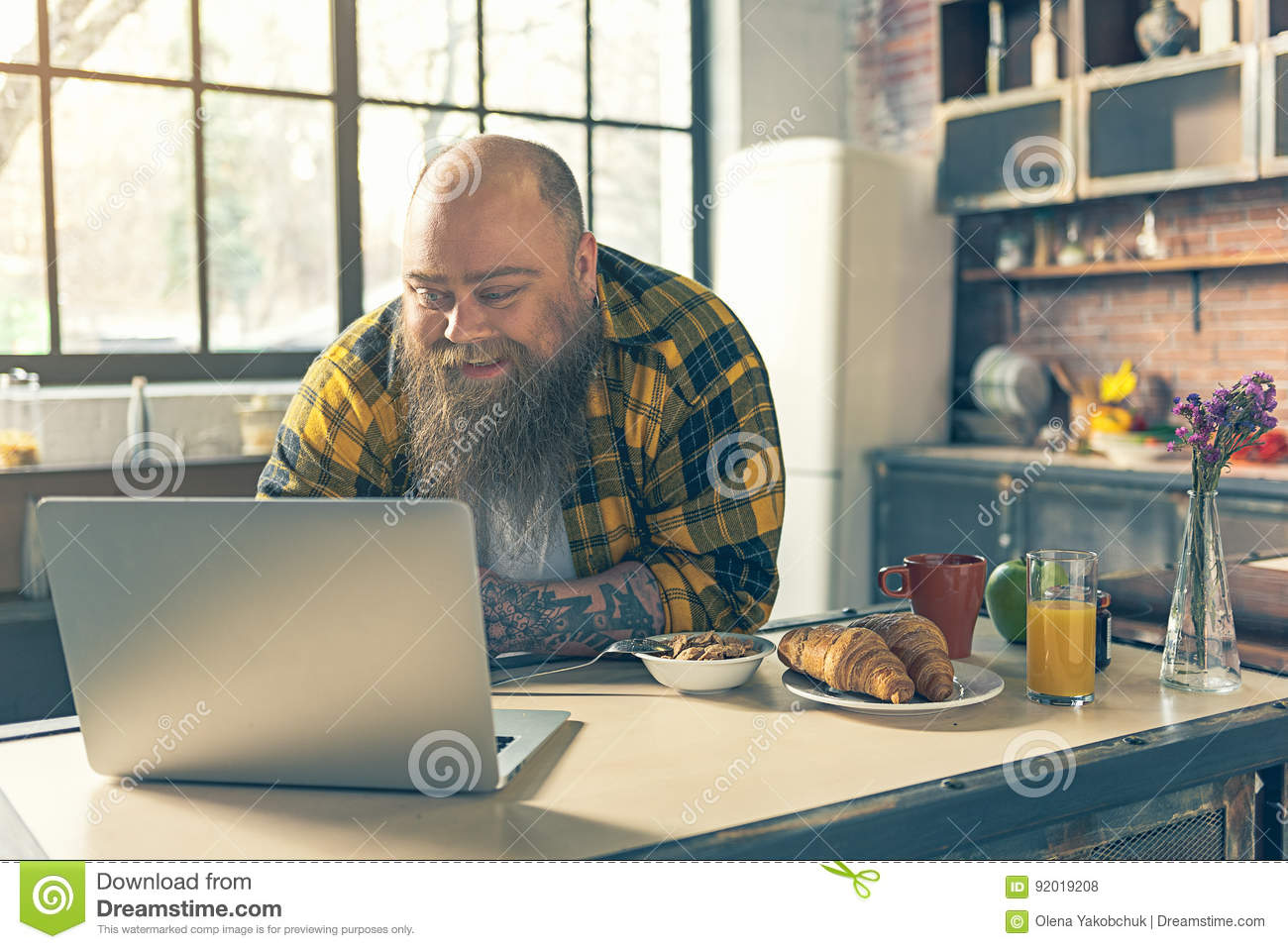 guy computer Fat