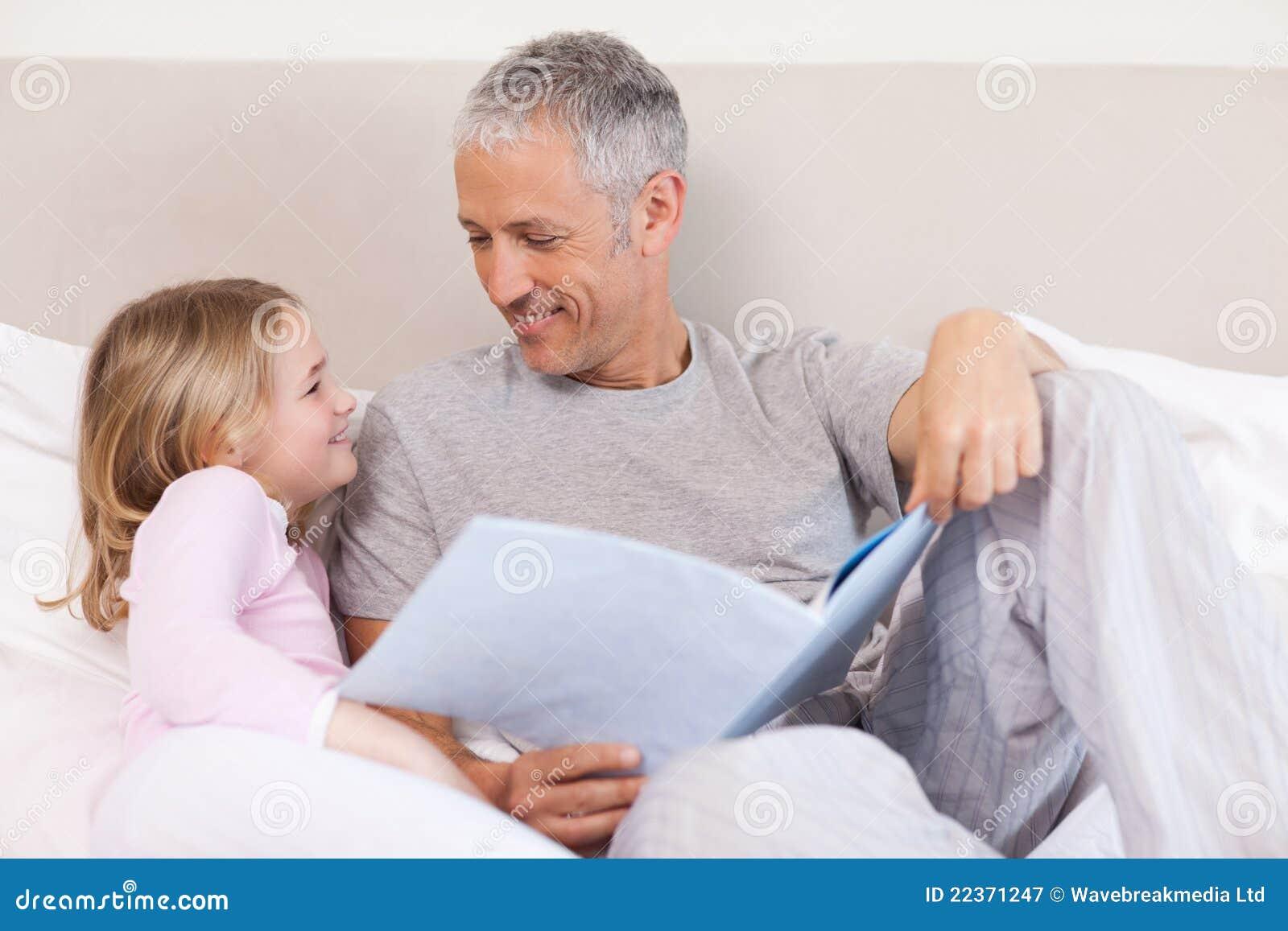 Читать истории отец и дочь 1 фотография