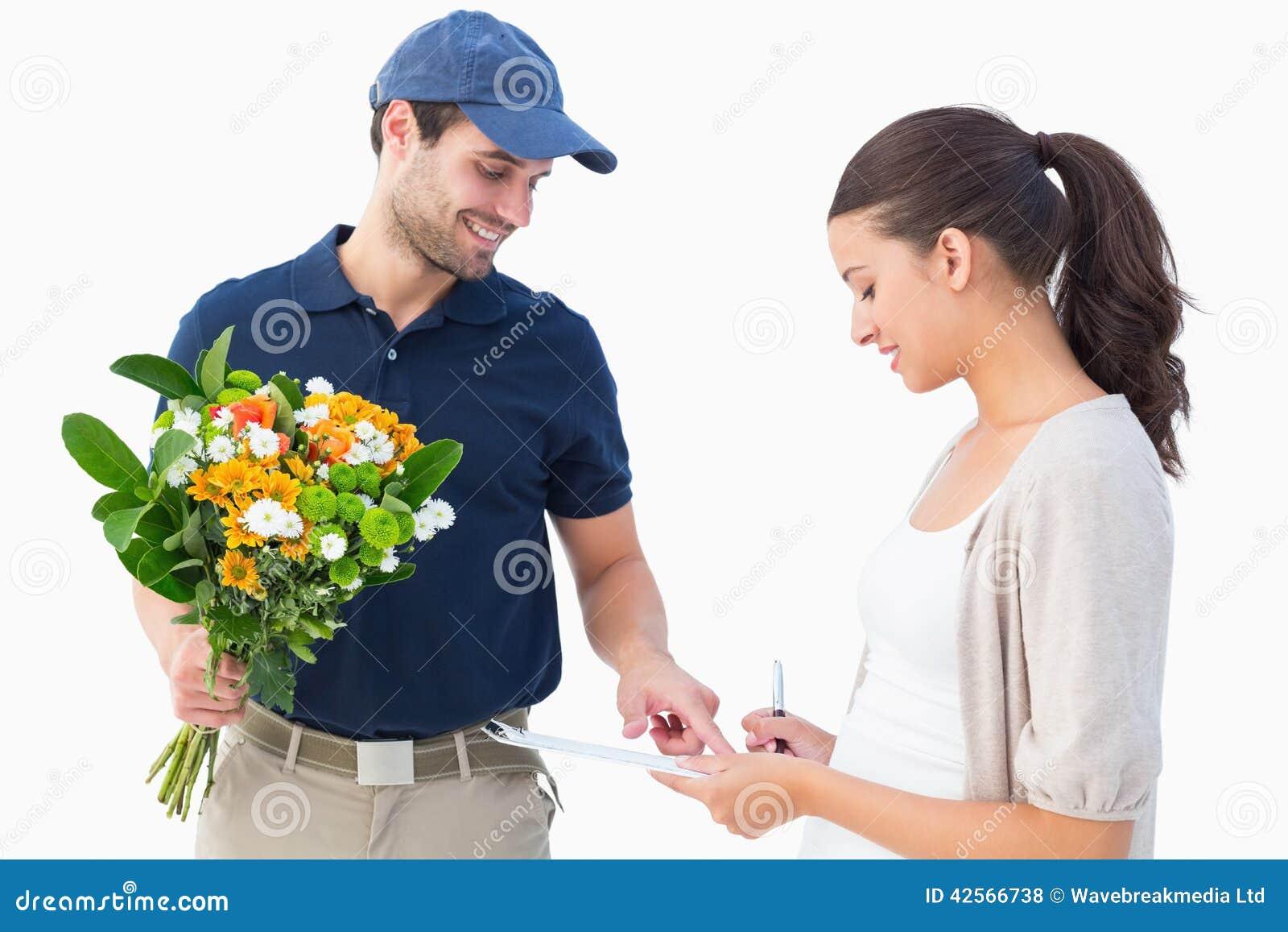 Фото курьера доставки цветов