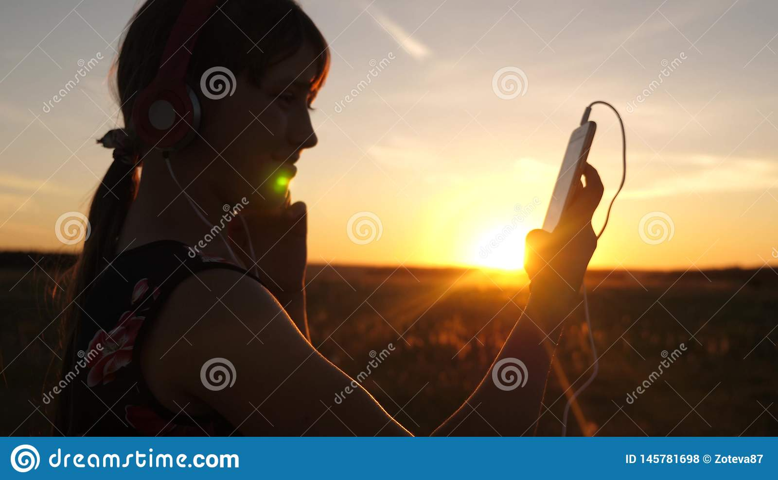 22 491 Music Sunset Photos Free Royalty Free Stock Photos From Dreamstime