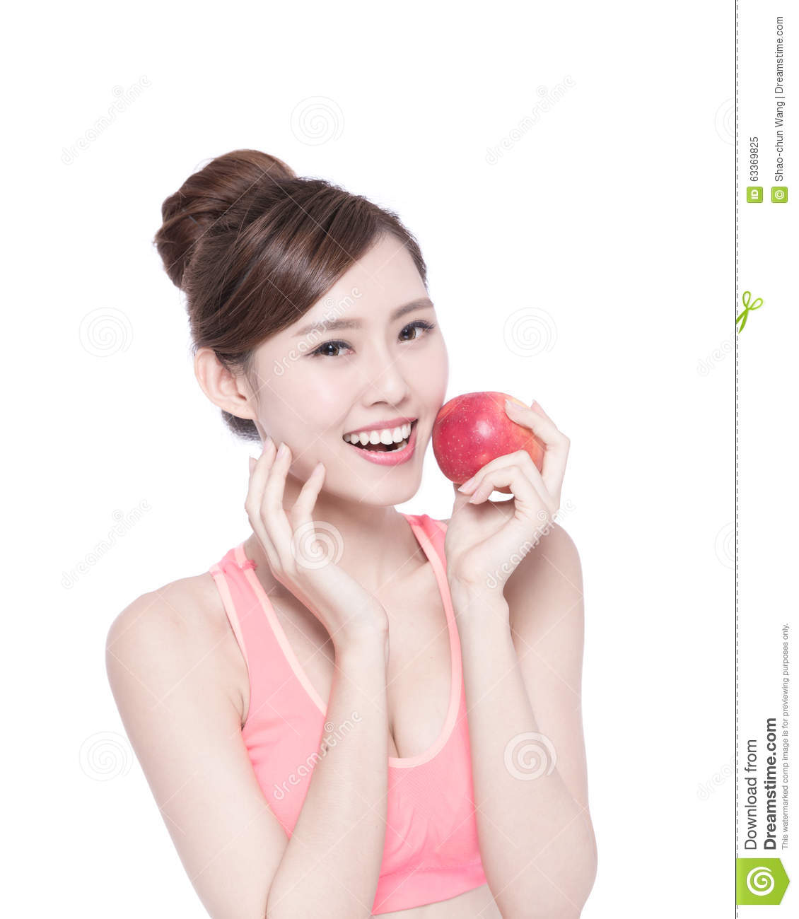 happy-health-woman-show-apple-benefit-to-asian-beauty-63369825.jpg
