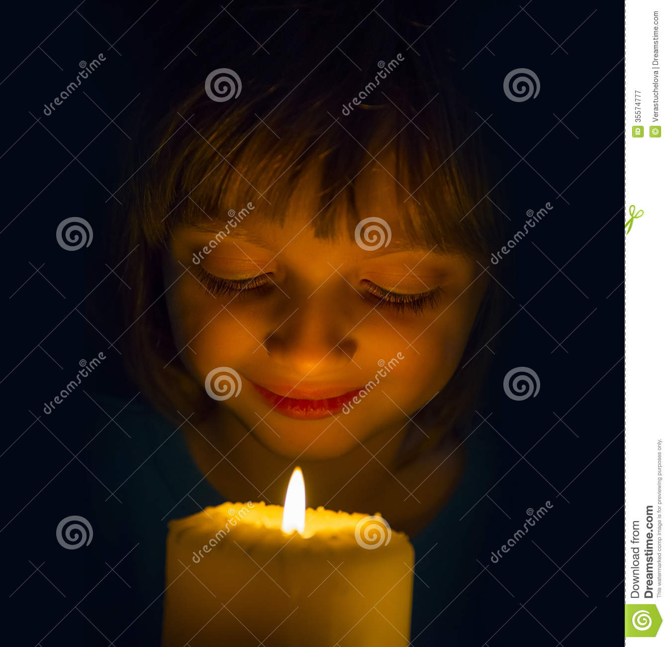 The little candle girl on the