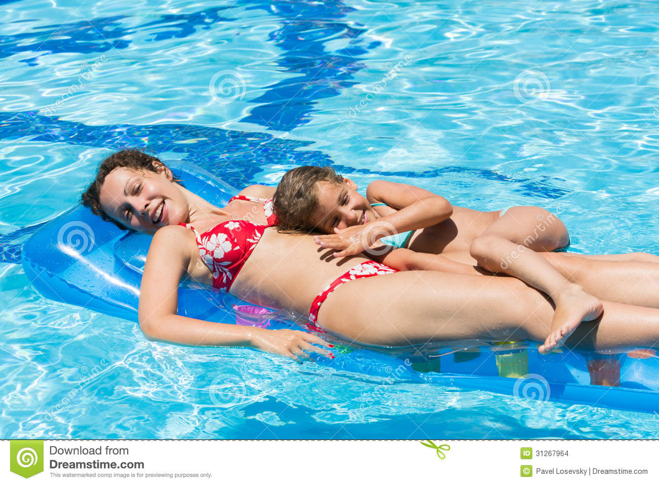 Mom Swimming Naked Picture  Wingateinnallentowncom -9760