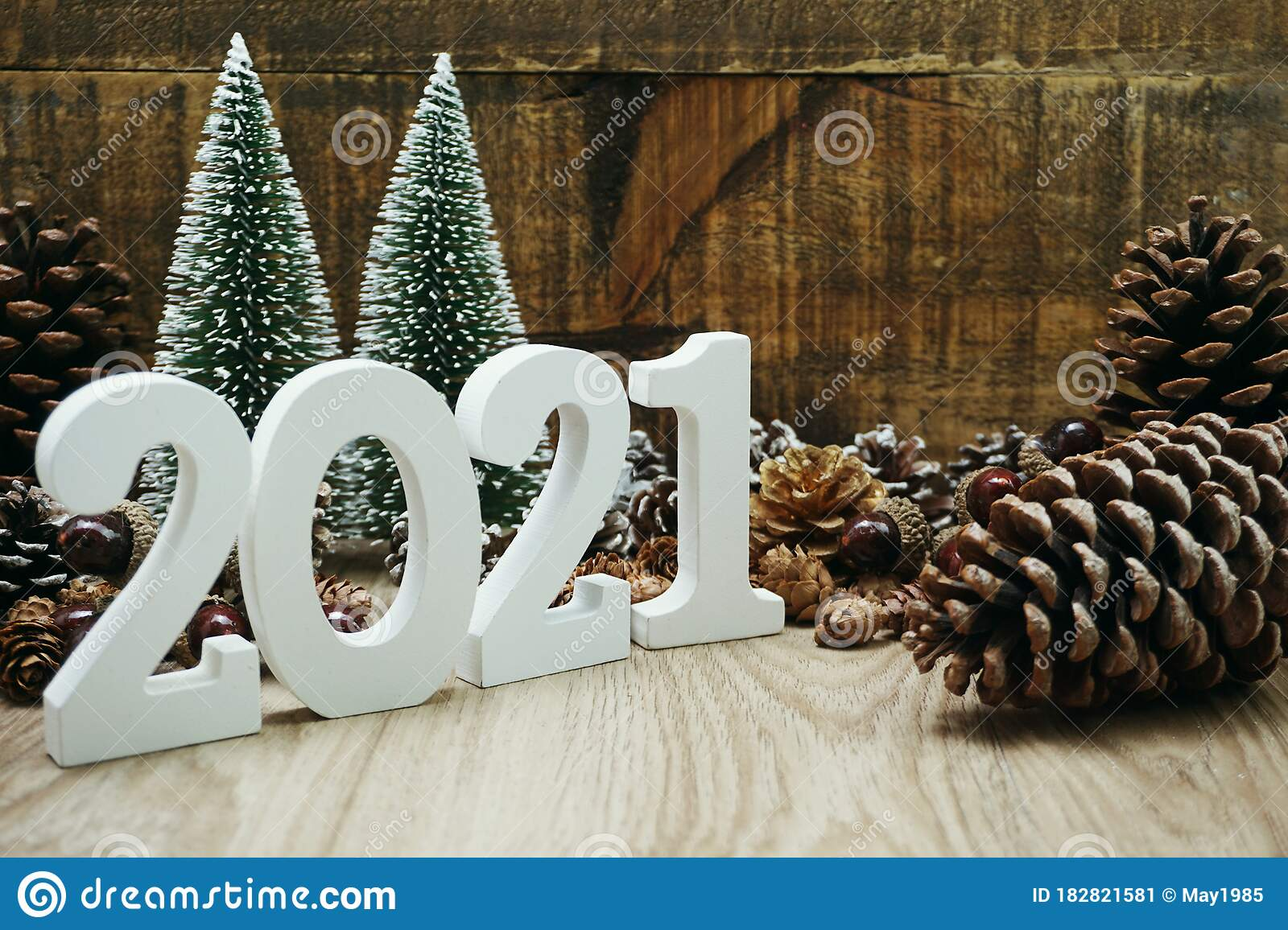 2021 Happy New Year Festive Background With Christmas Tree ...