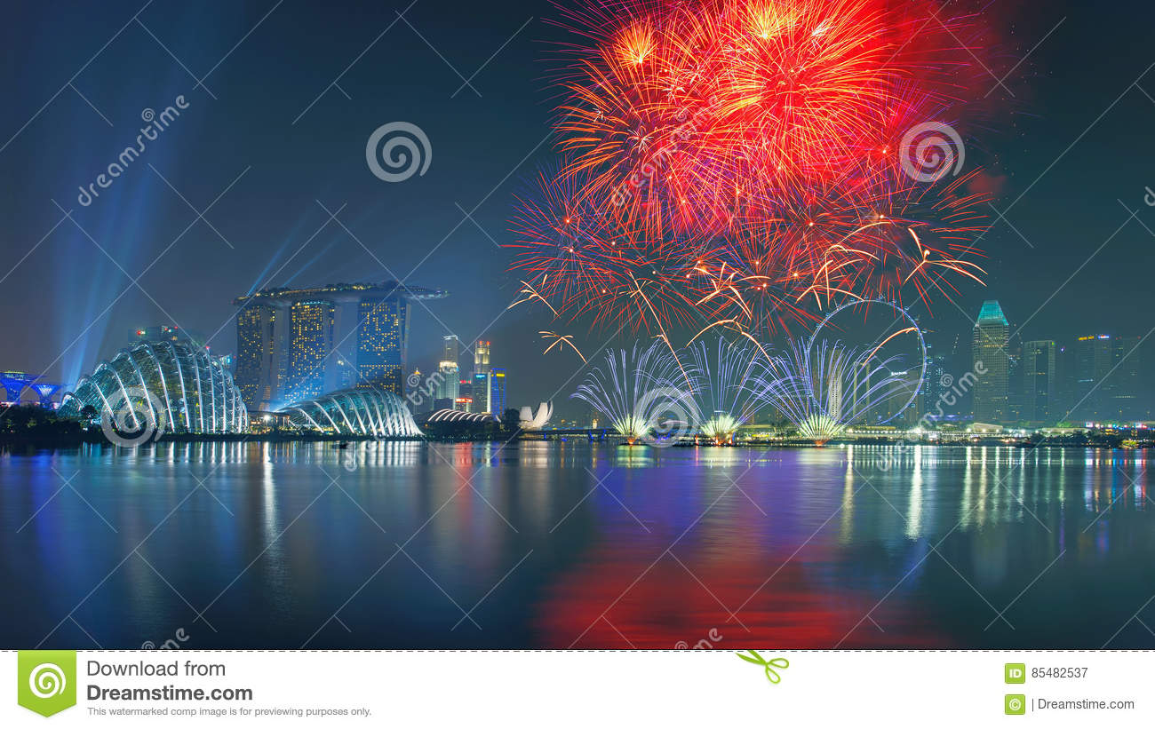 happy new year fireworks in marina bay singapore
