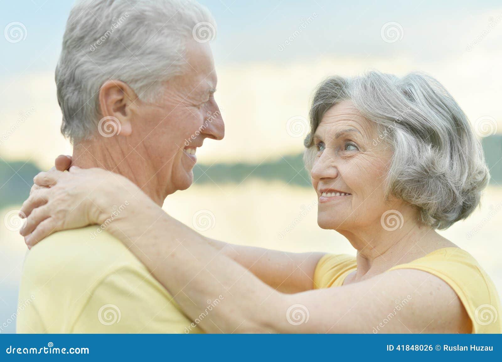 Секс видео русских пожилых пар поговорим
