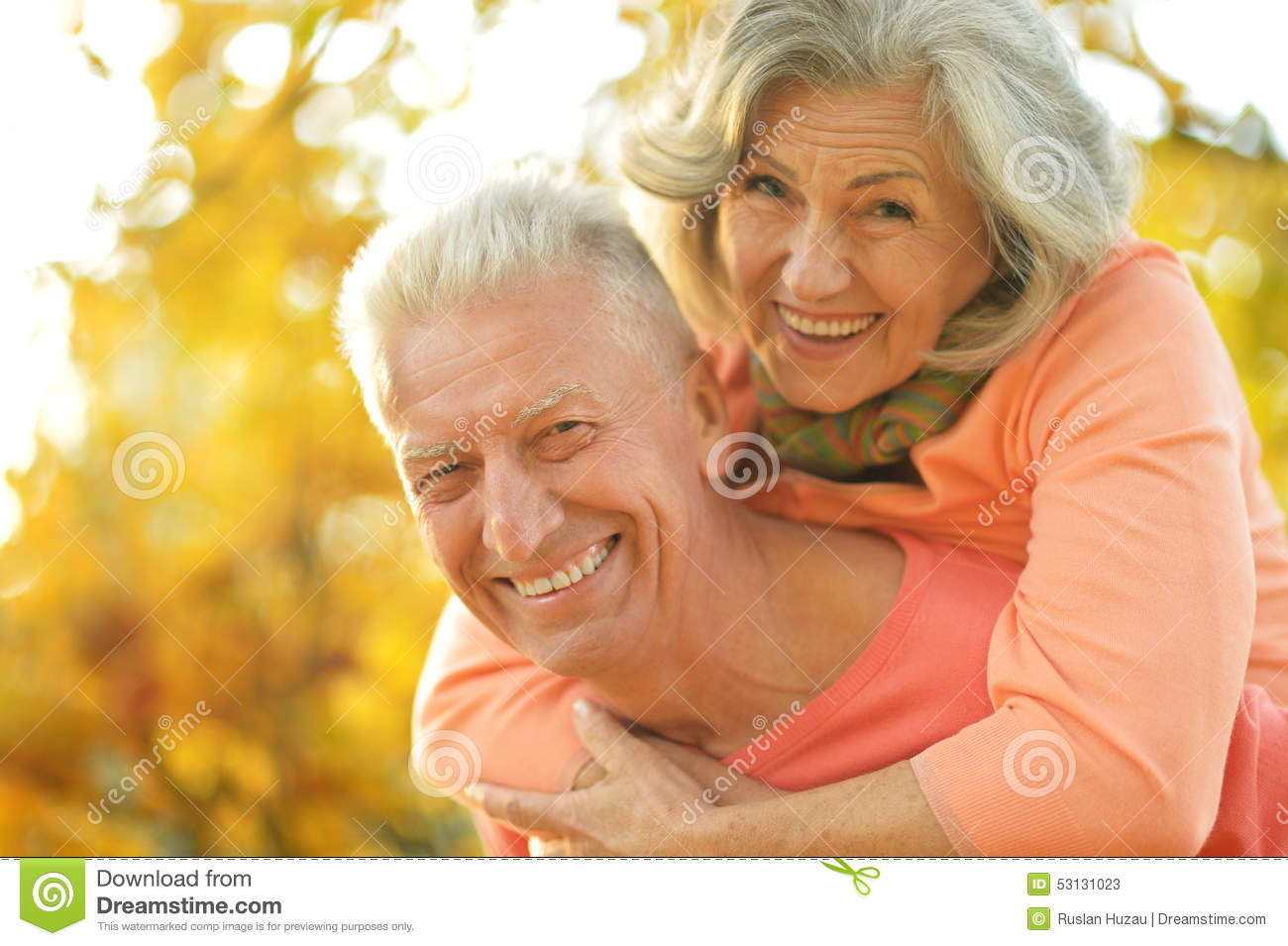 happy-old-people-beautiful-autumn-park-53131023.jpg