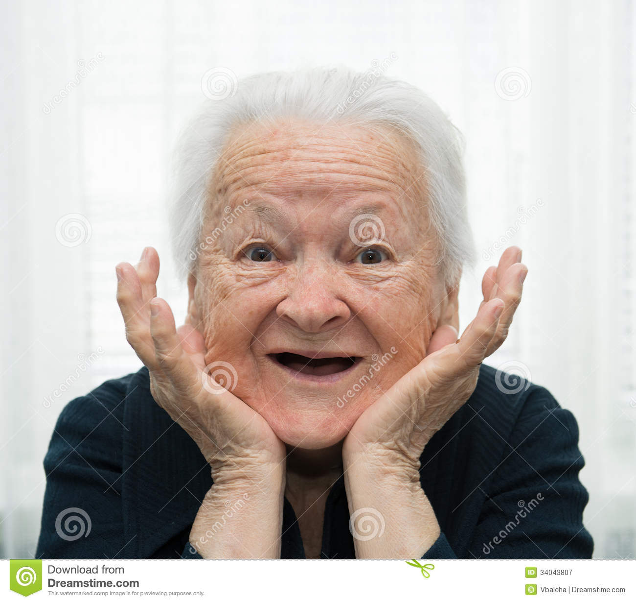 Free pictures of older women
